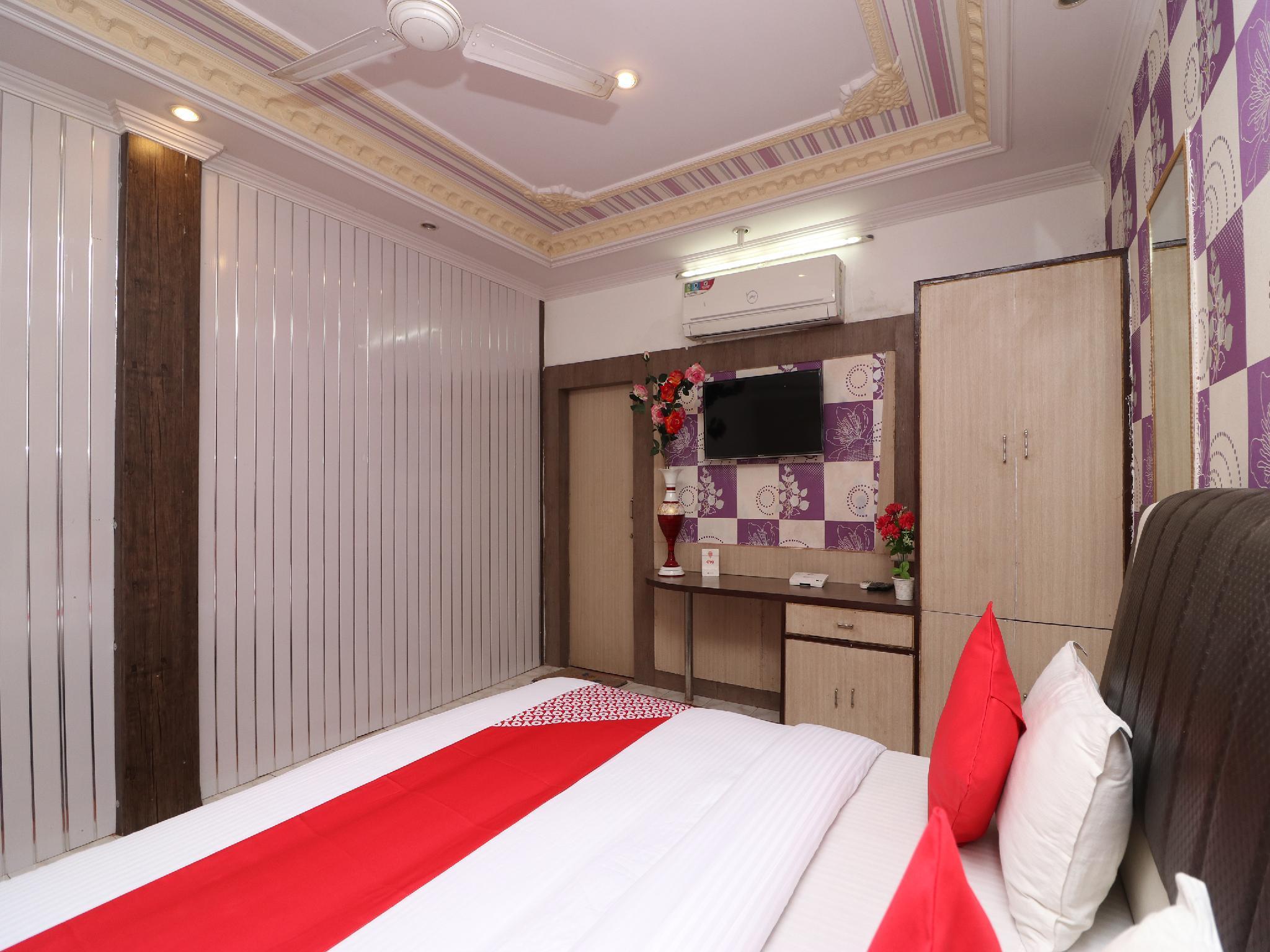 OYO 22461 Hotel Pratap Palace
