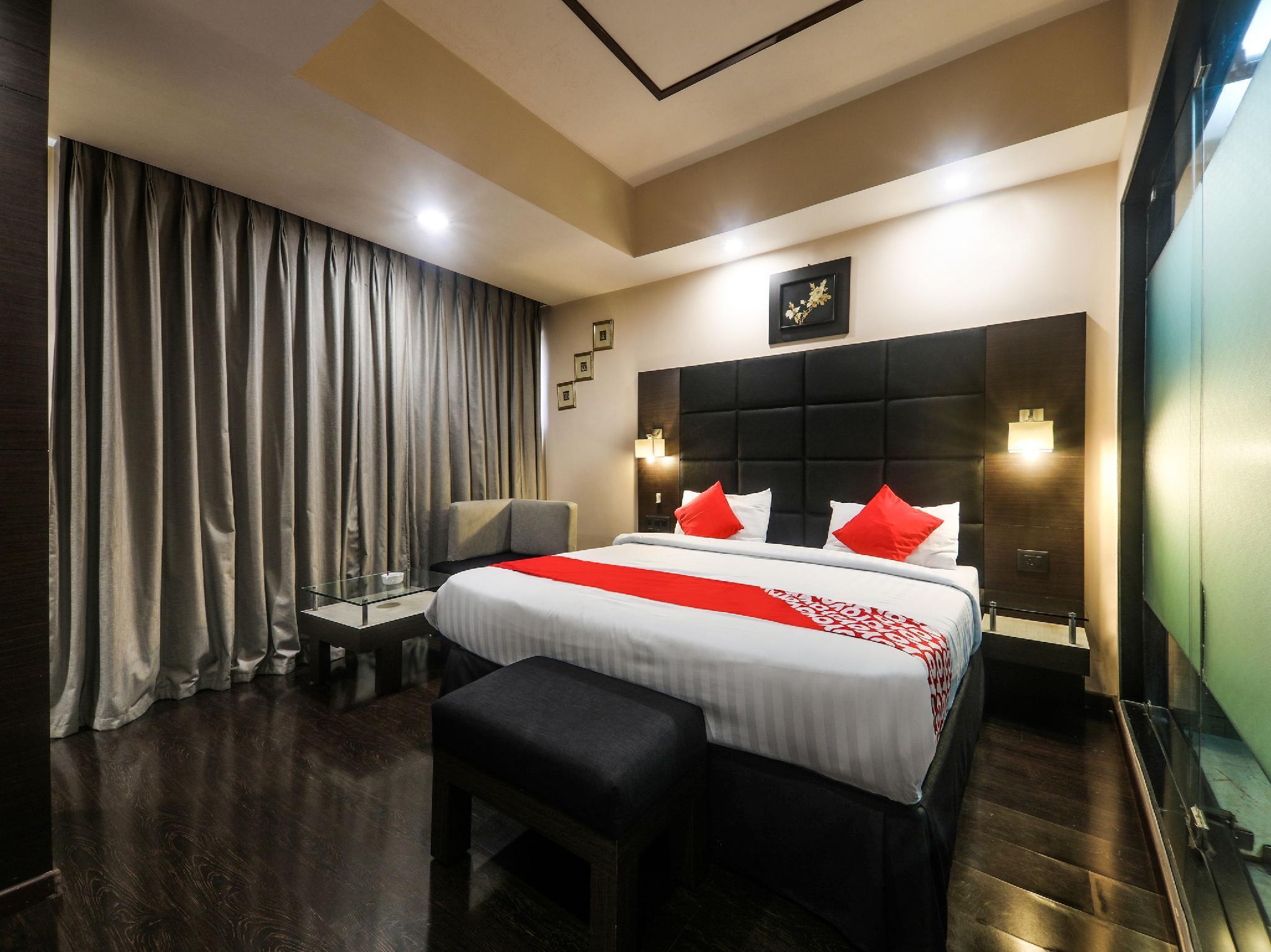 Capital O 16017 Hotel Alpine Continental