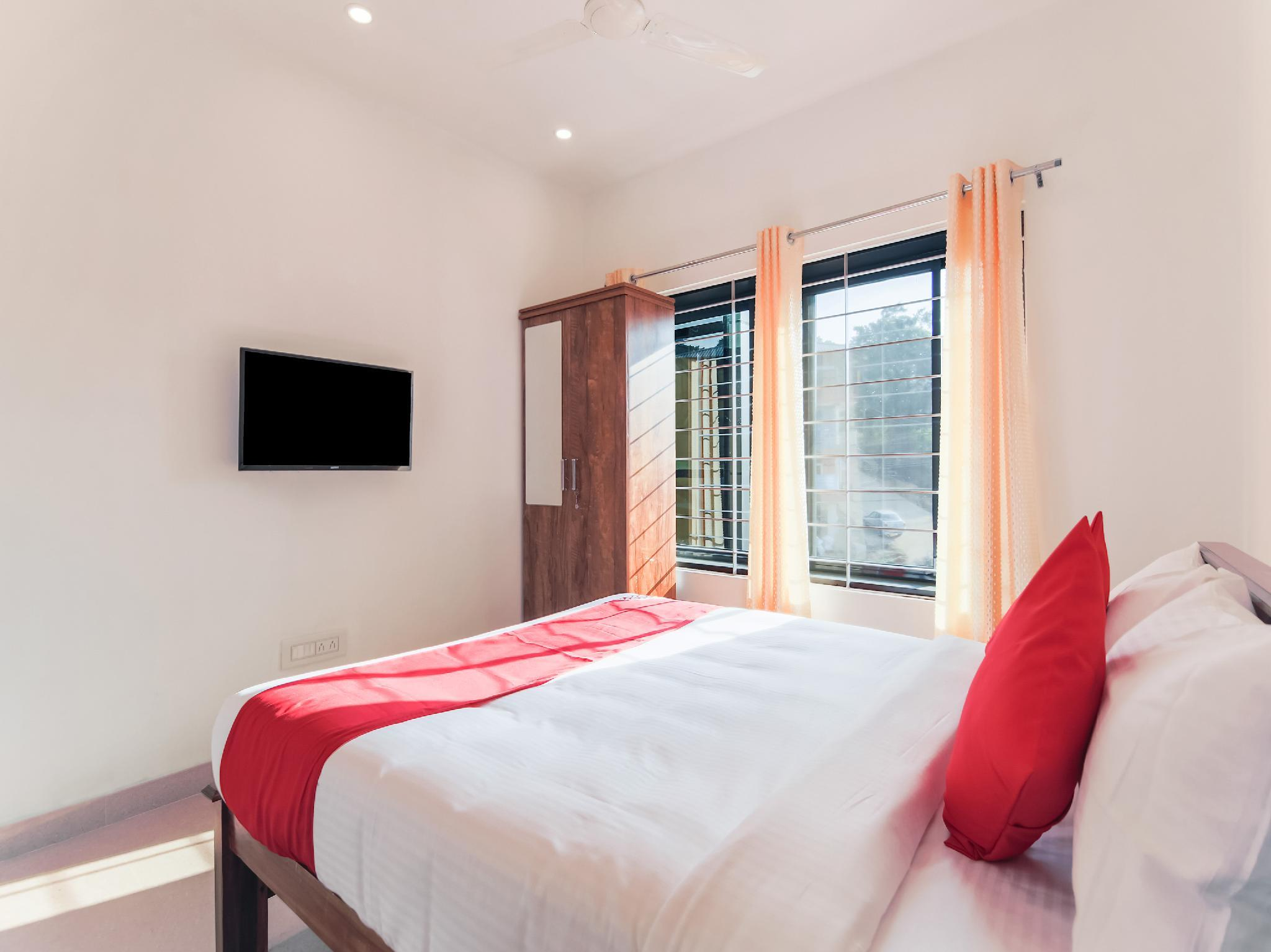 OYO 26769 Vijaya Comfort Inn
