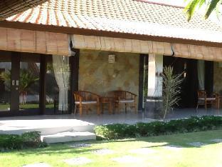 Rumah Garden Berawa Canggu Villa
