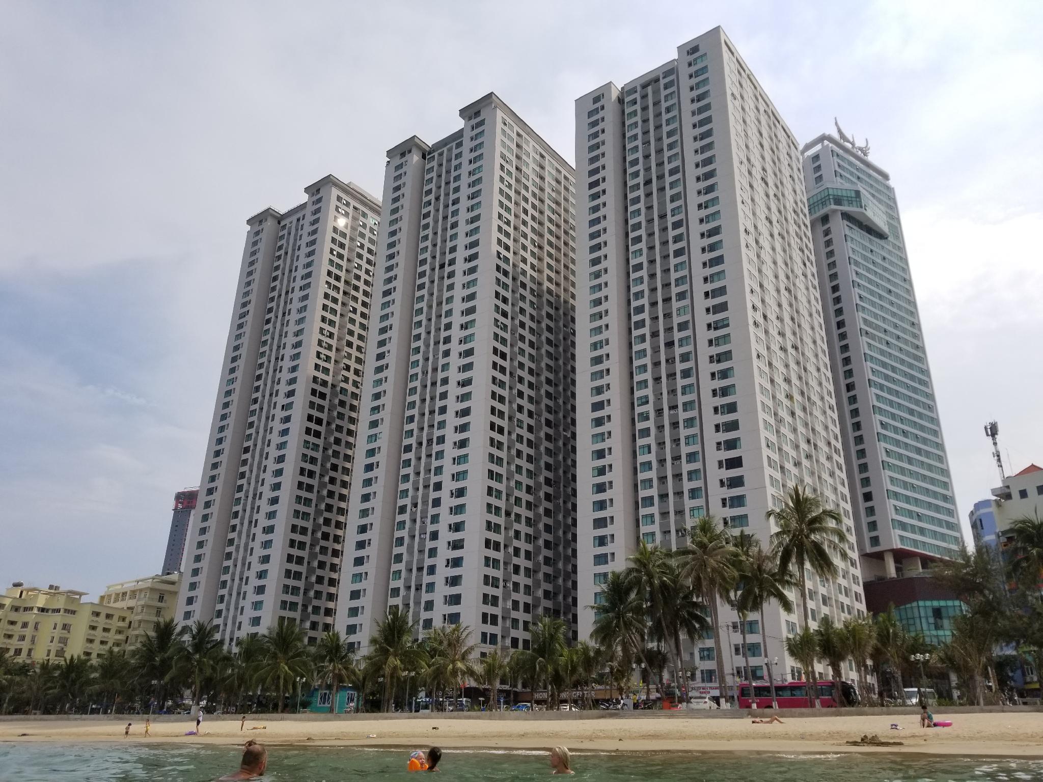 Nallan Host   Sea View 2BR Apartments
