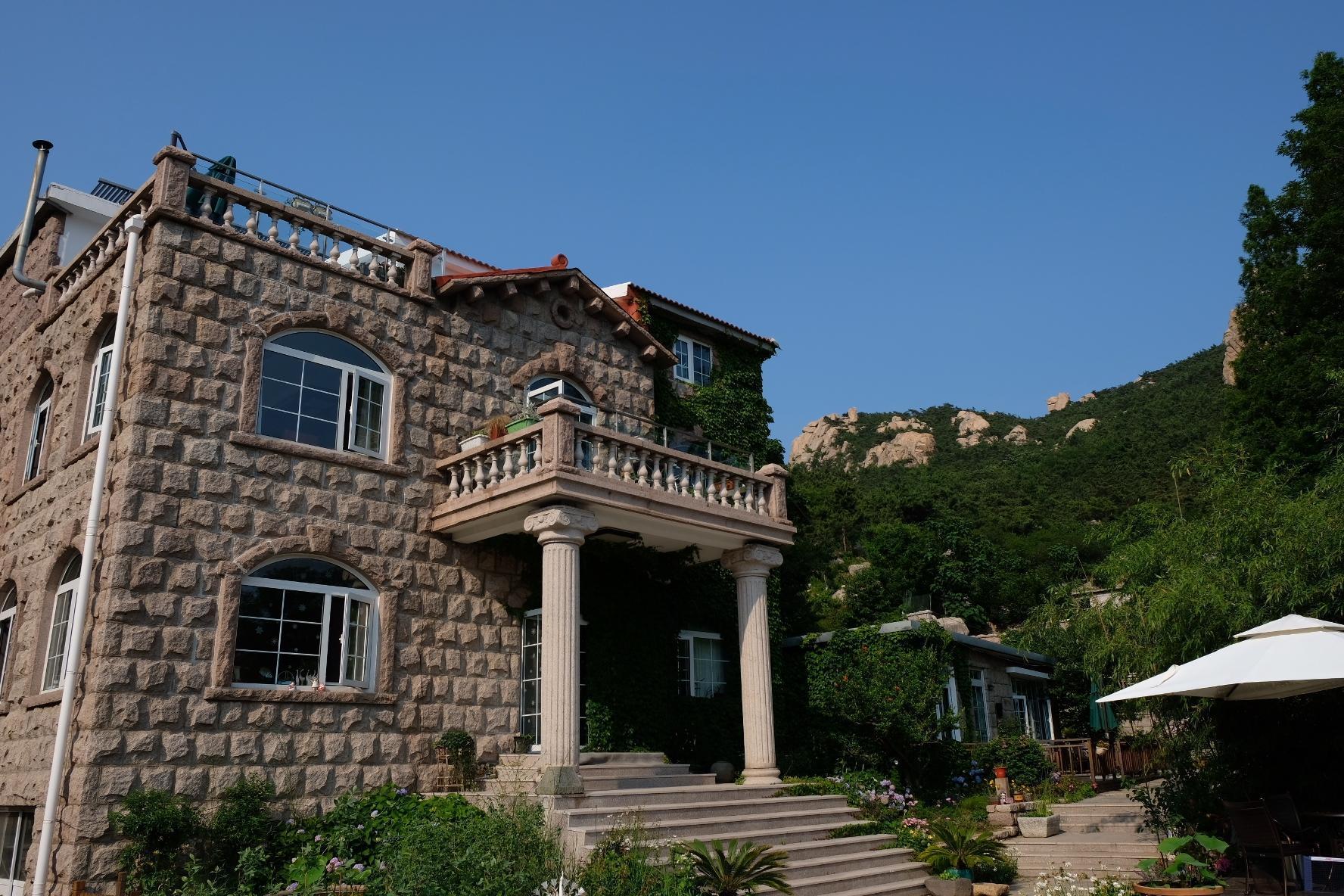 The Villa Qishuishanju  Beside Mountain Stream