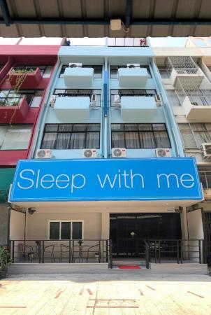Sleep with Me Bangkok - BTS Phra Khanong Bangkok