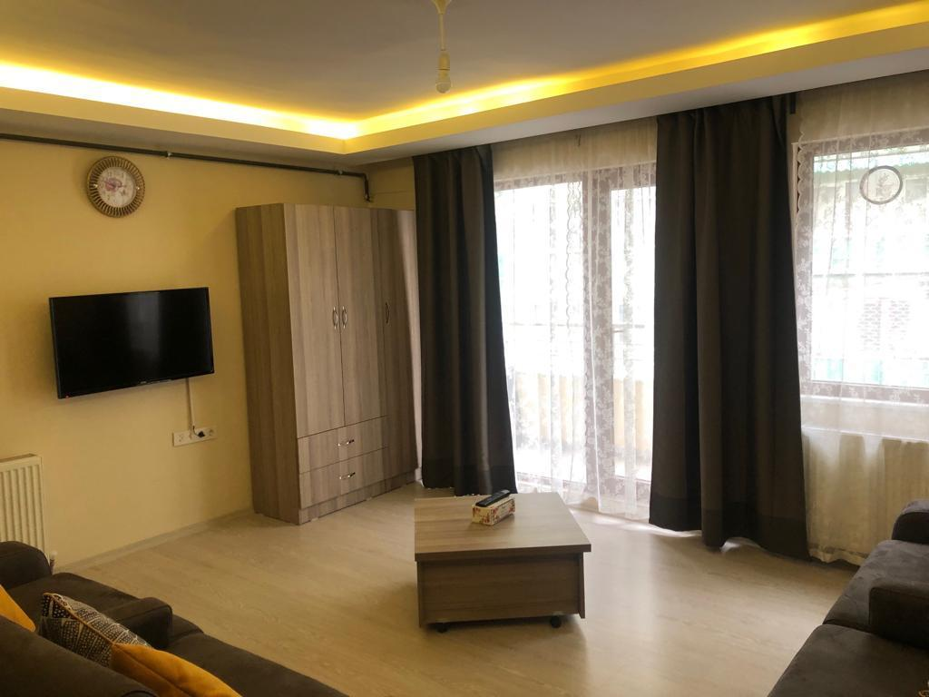 3 Bed Rooms Apartment