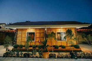 picture 3 of Queen's Suite Resort