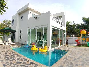 [アンシラ]ヴィラ(350m2)| 2ベッドルーム/2バスルーム Baan Pool Villa01 (Bangsaen-Mountain view)