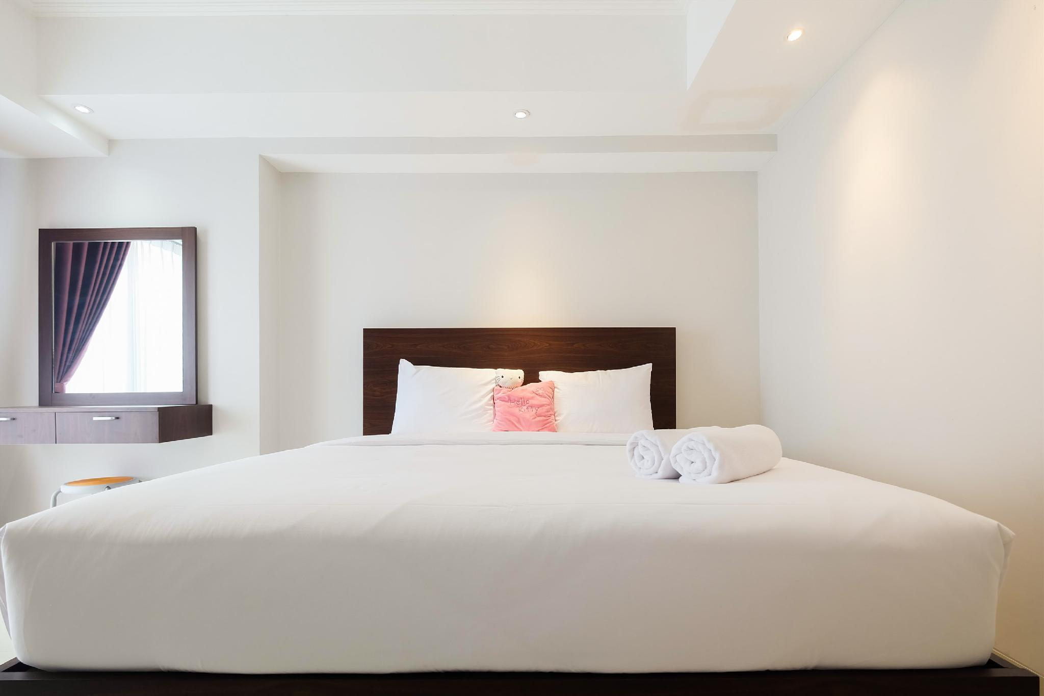 Classy 2BR The Mansion Apt Near JIEXPO By Travelio