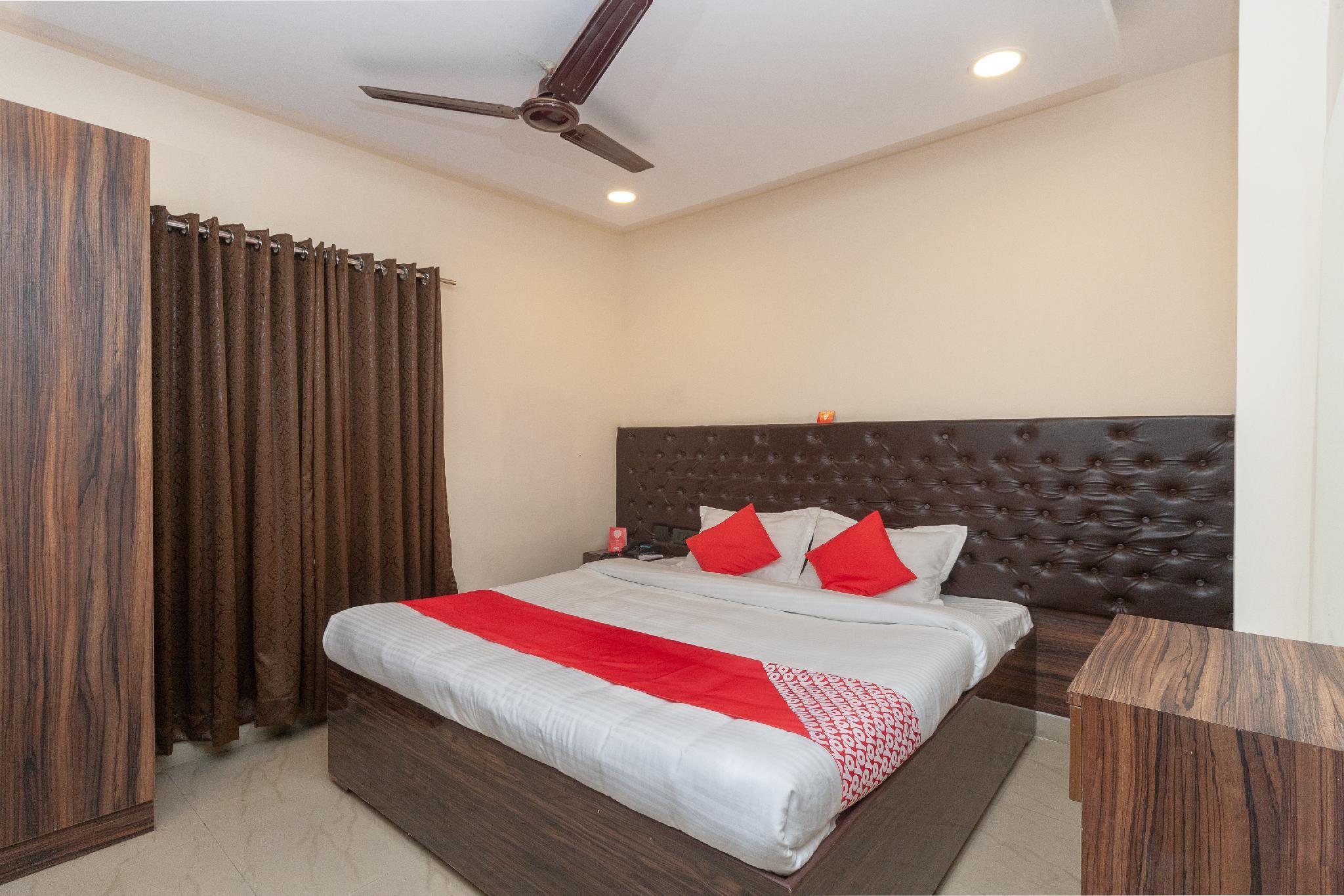 Capital O 24305 Hotel Lions India