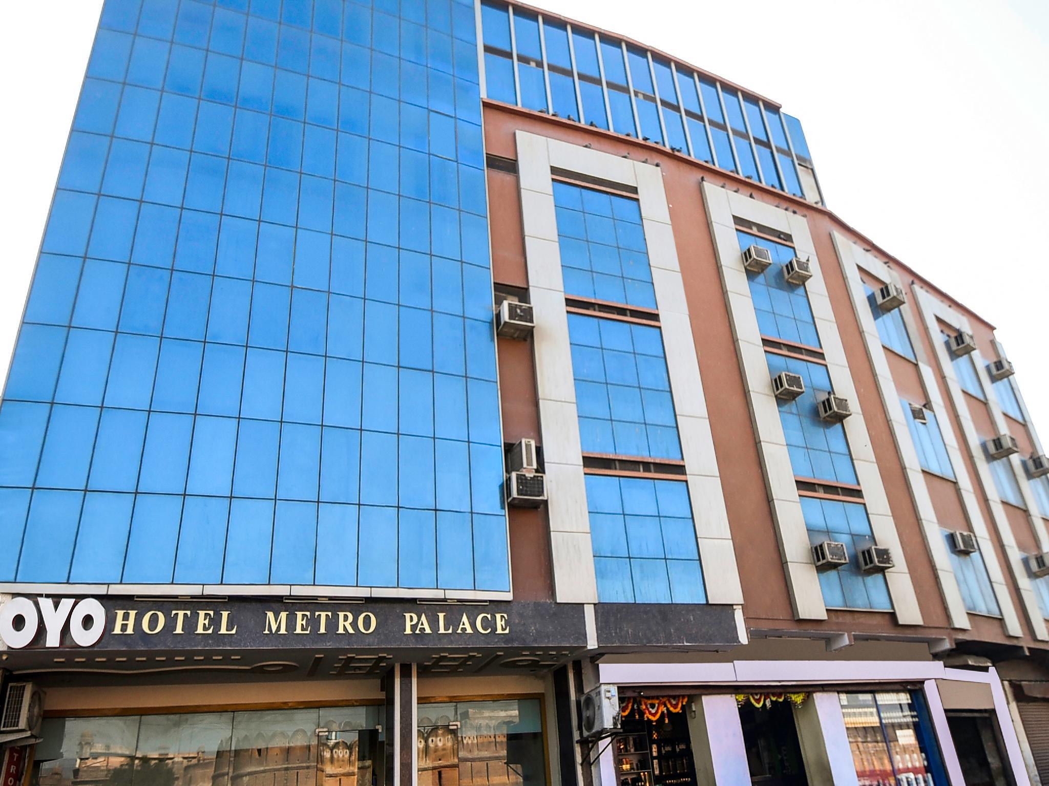 OYO 25127 Hotel Metro Palace