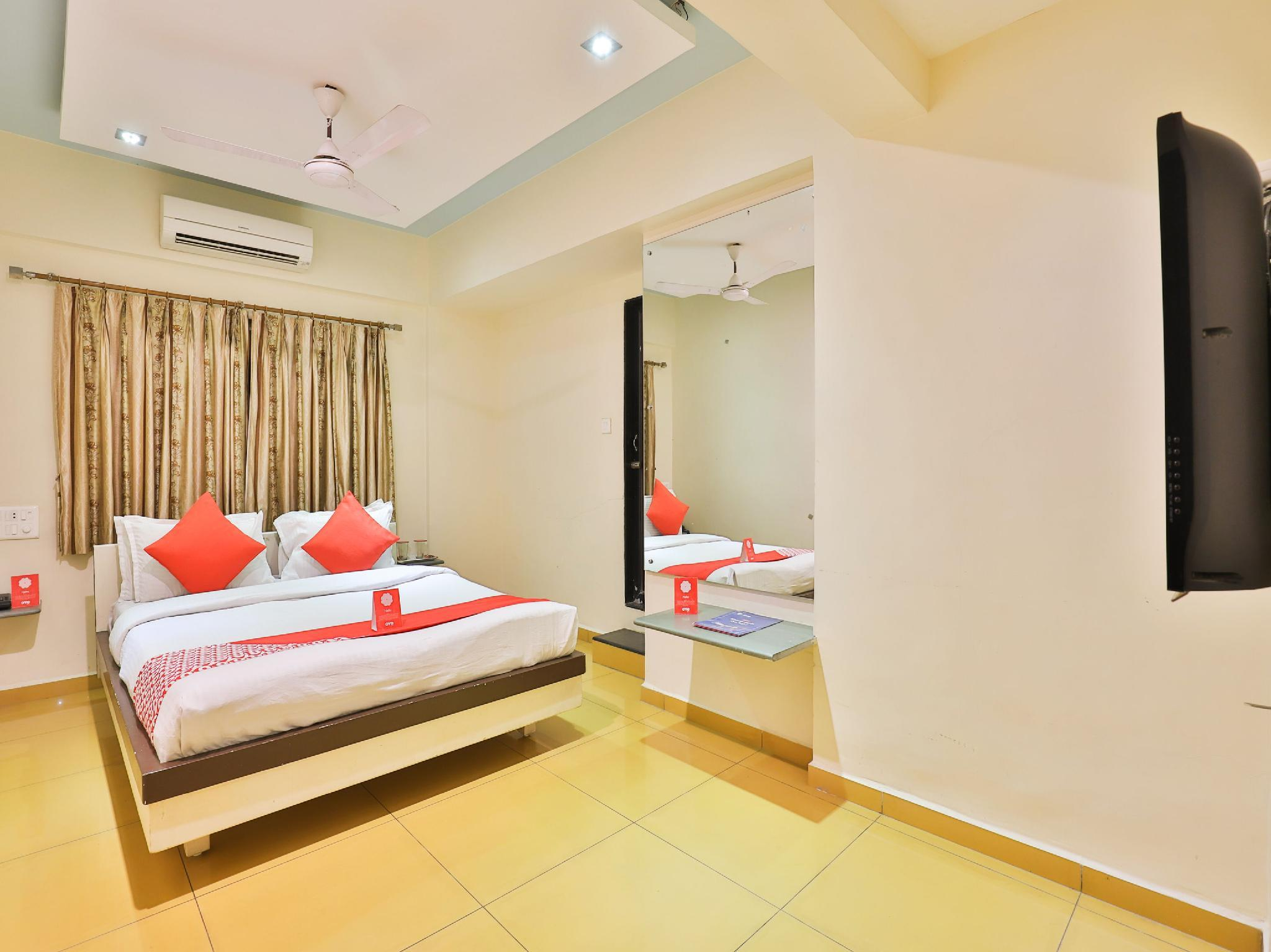 OYO 11578 Hotel Nildeep