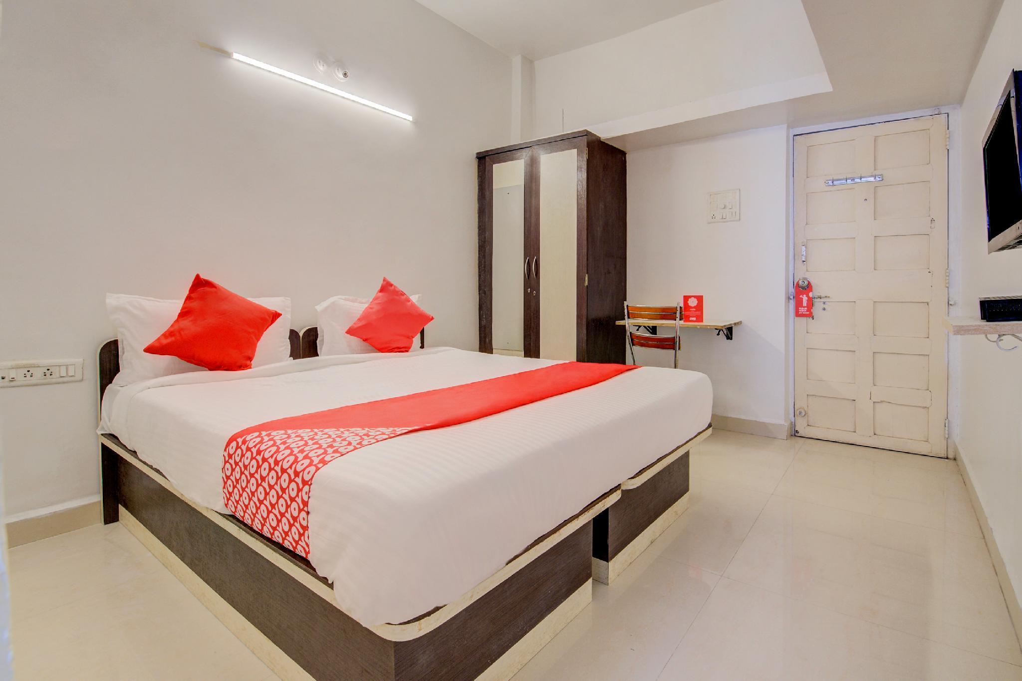 OYO 24982 Hotel G Residency