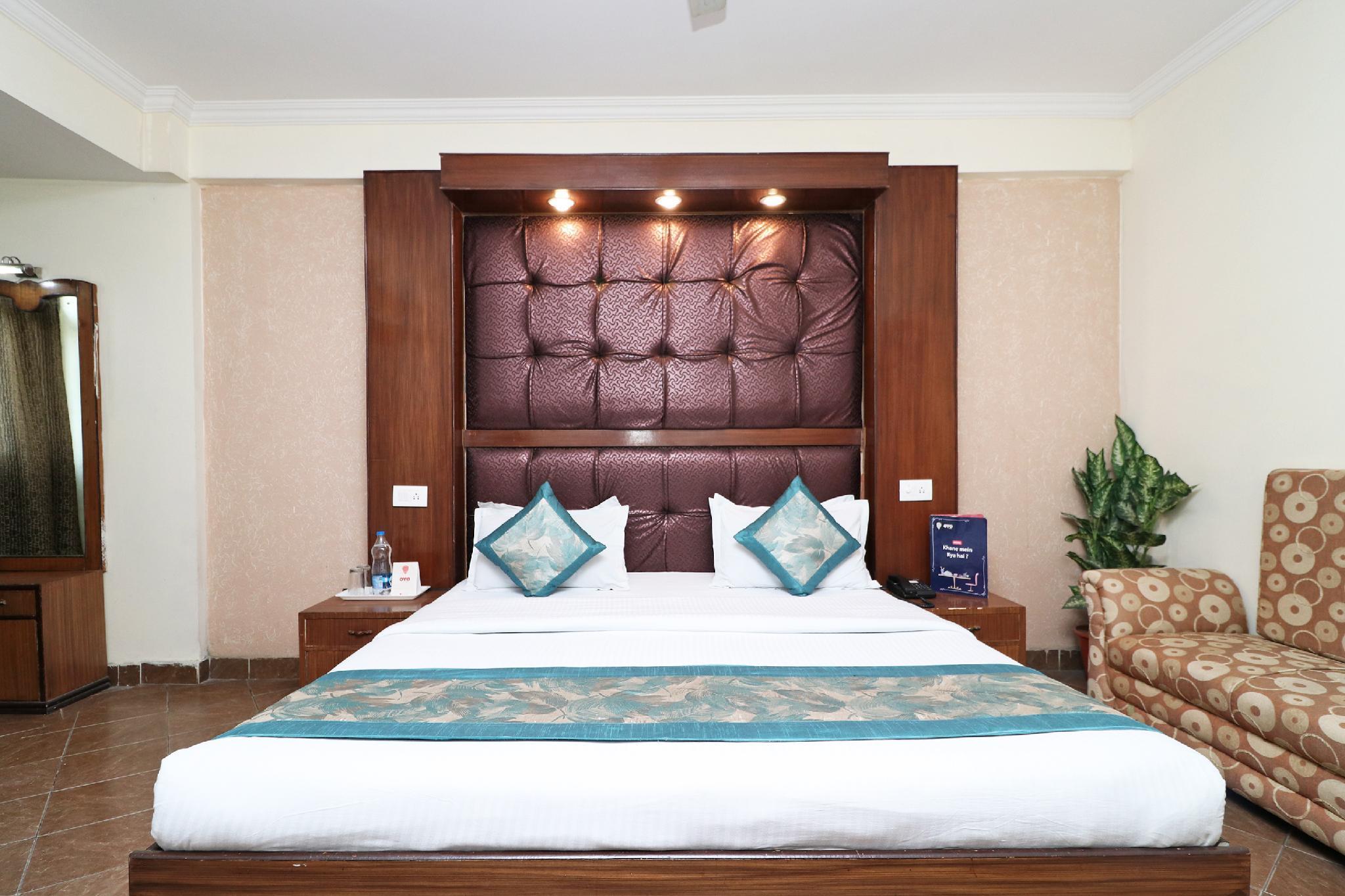 OYO 1822 Hotel Ambassador