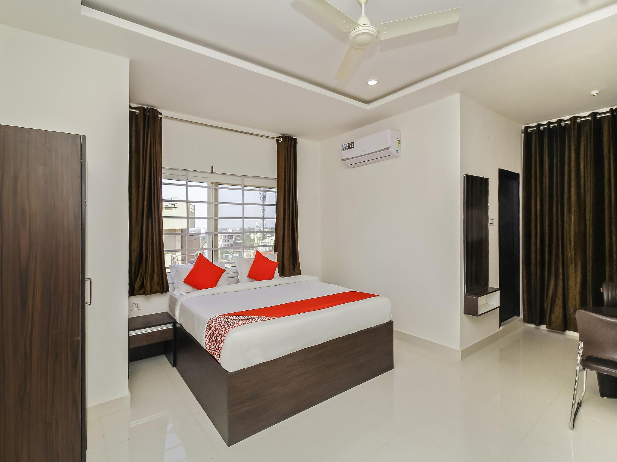 OYO 26941 Hotel Palm International