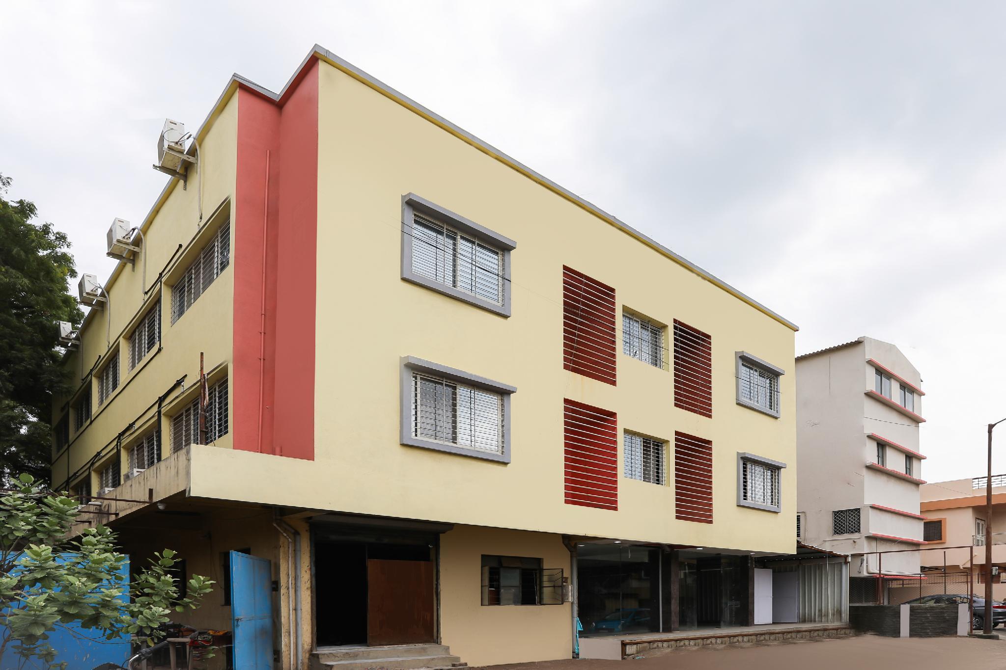 OYO 19404 Hotel Namrata