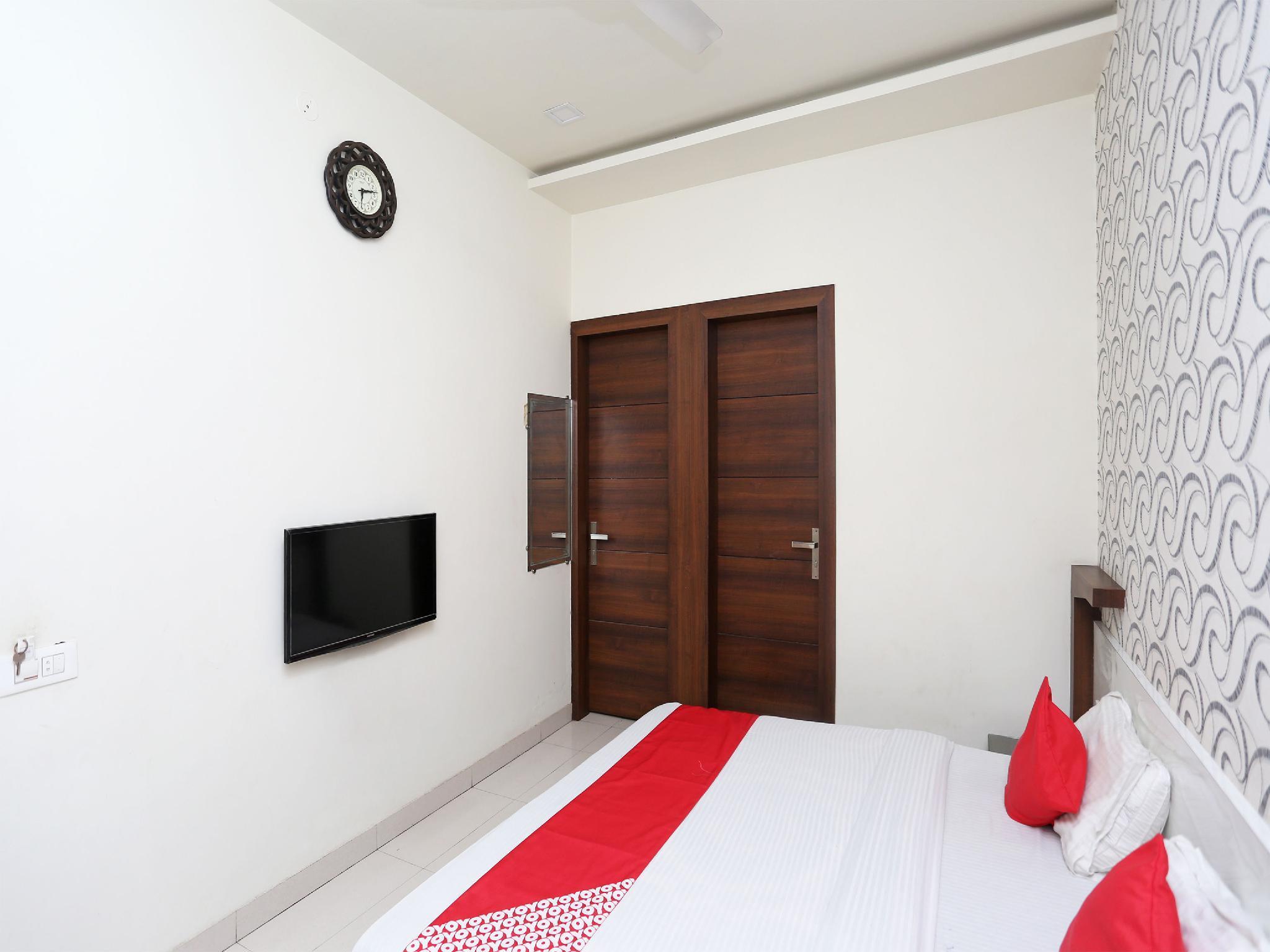 OYO 17280 Hotel Shivaay