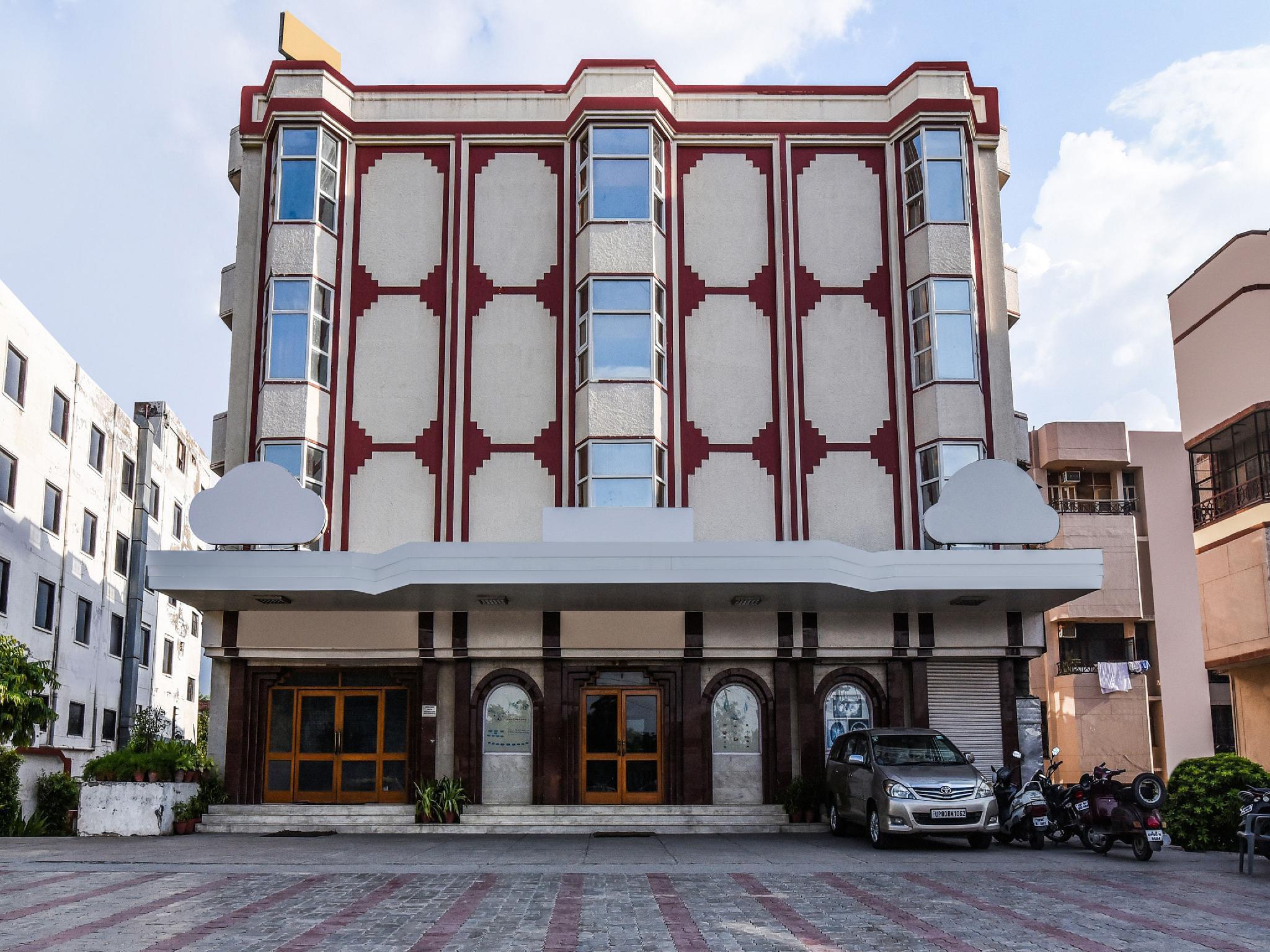 OYO 16545 Hotel Kant