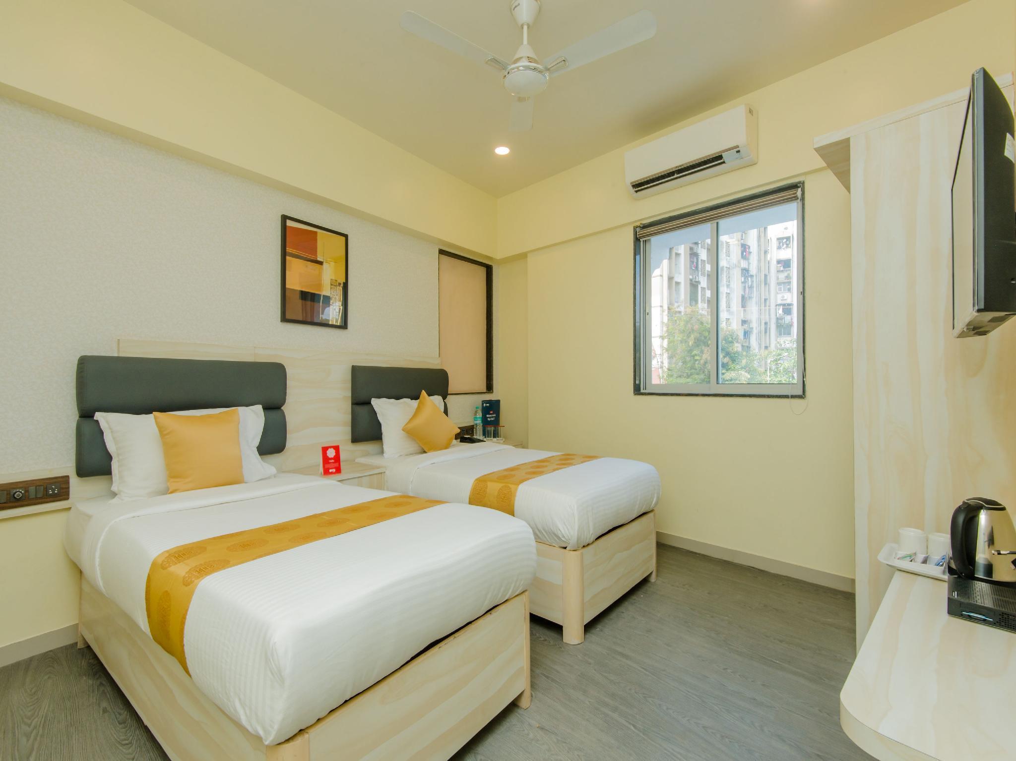 OYO 10899 Hotel Meadow Inn