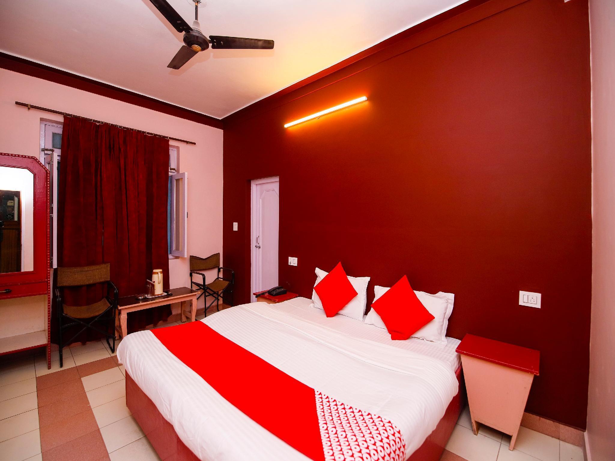 OYO 26599 Hotel Balaji Inn