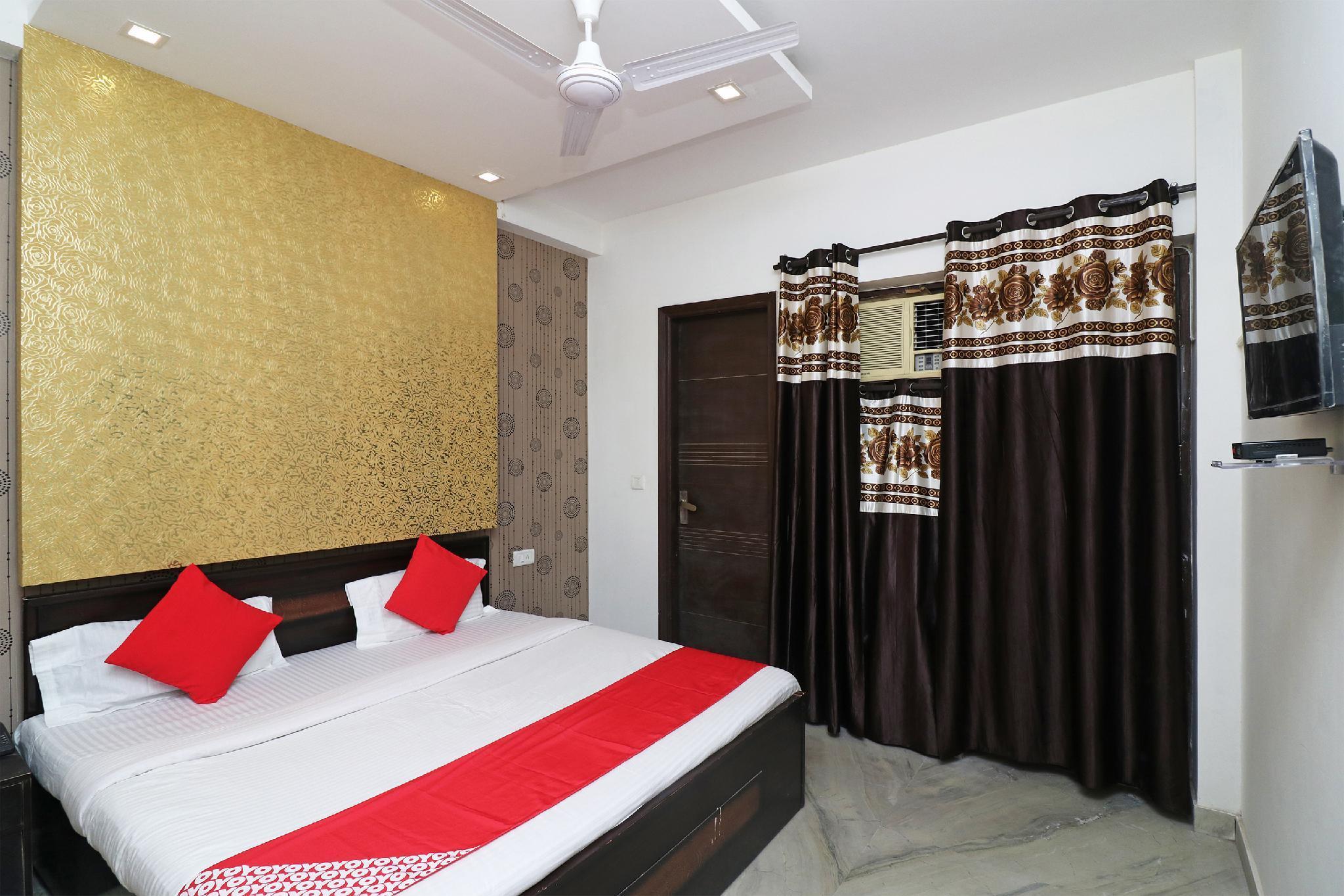 OYO 24283 Royal Rahul Residency