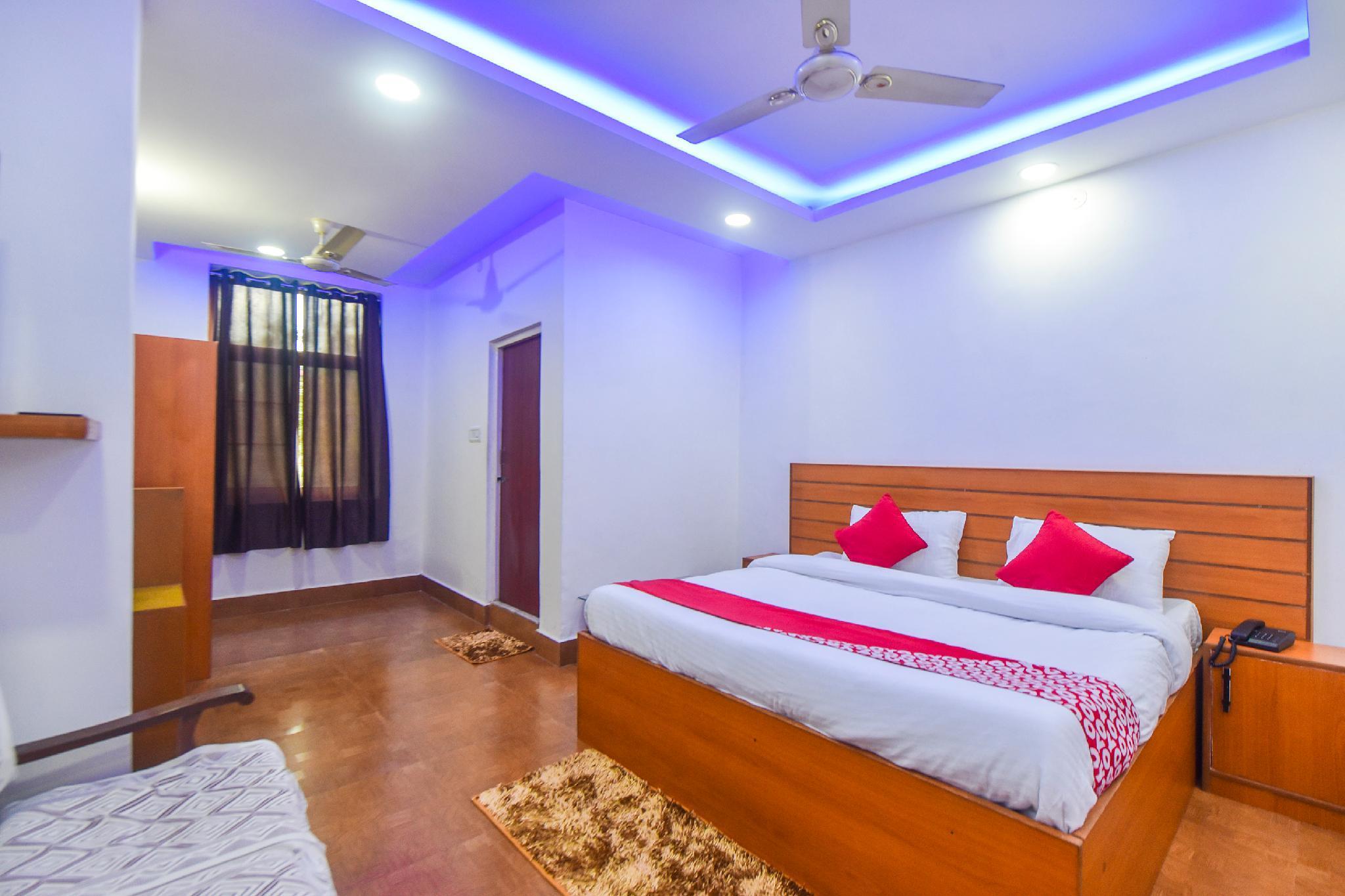 OYO 12846 Hotel Sunita
