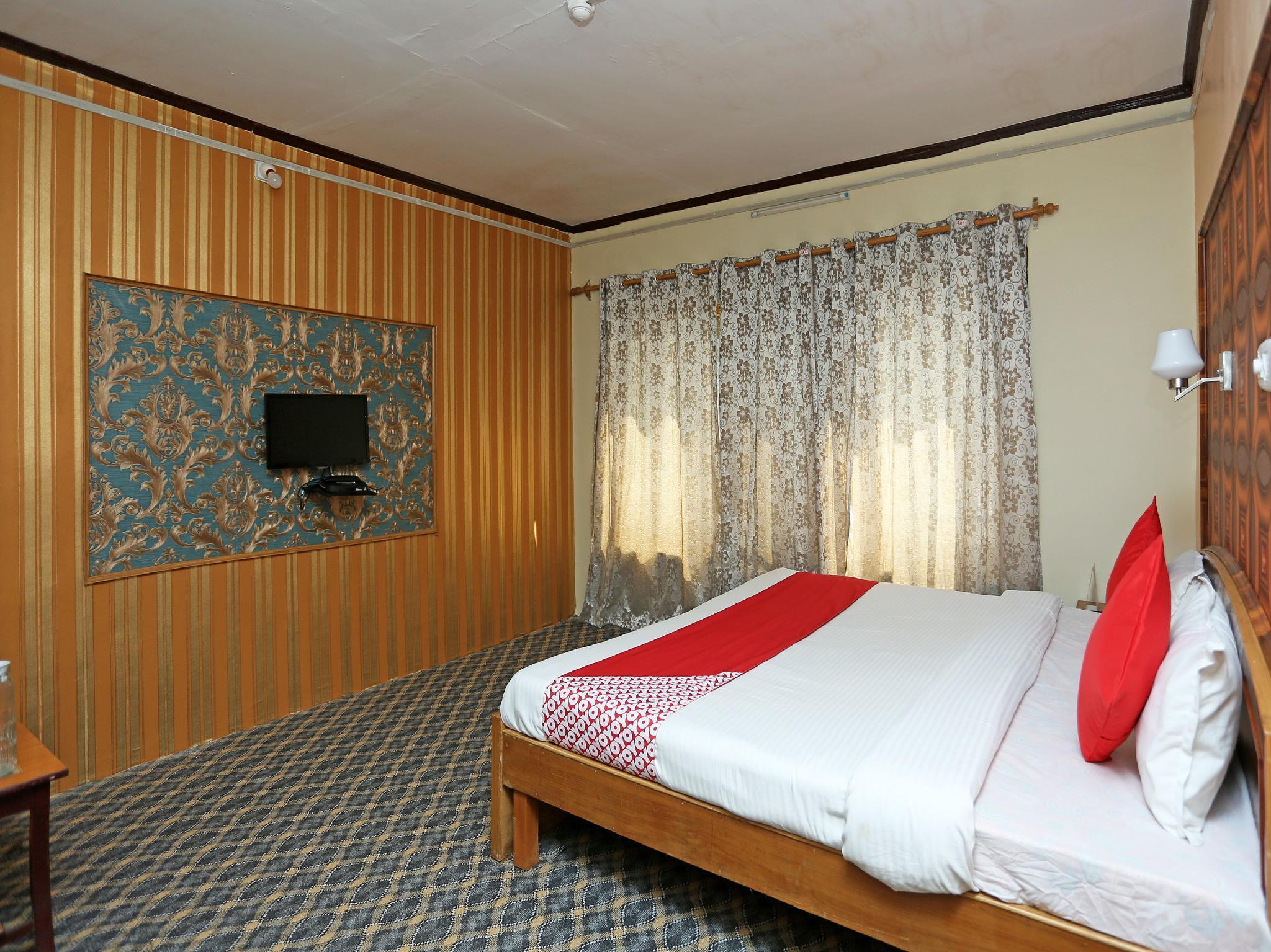 OYO 18391 Hotel Royalton
