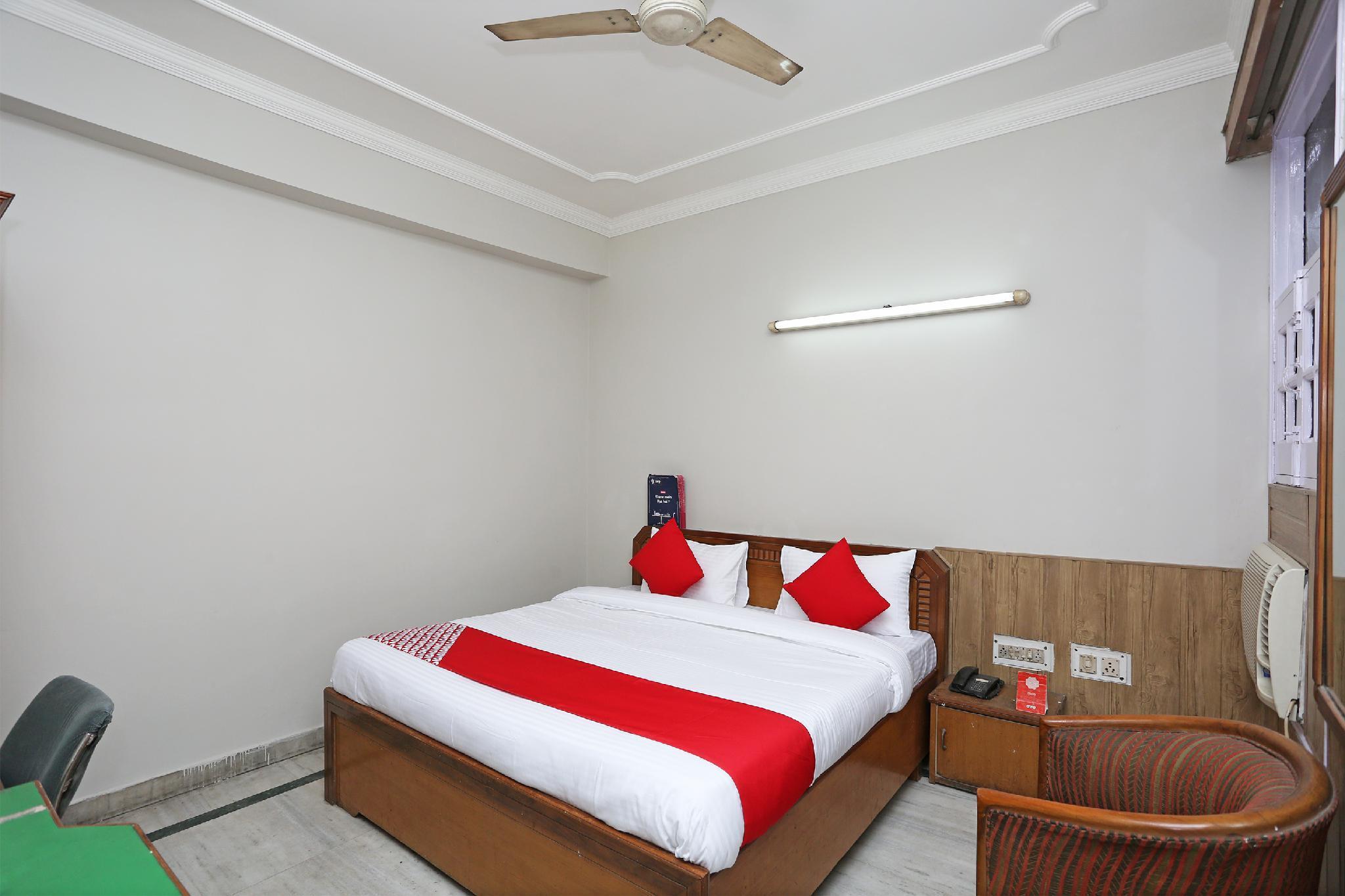 OYO 27955 Hotel Park