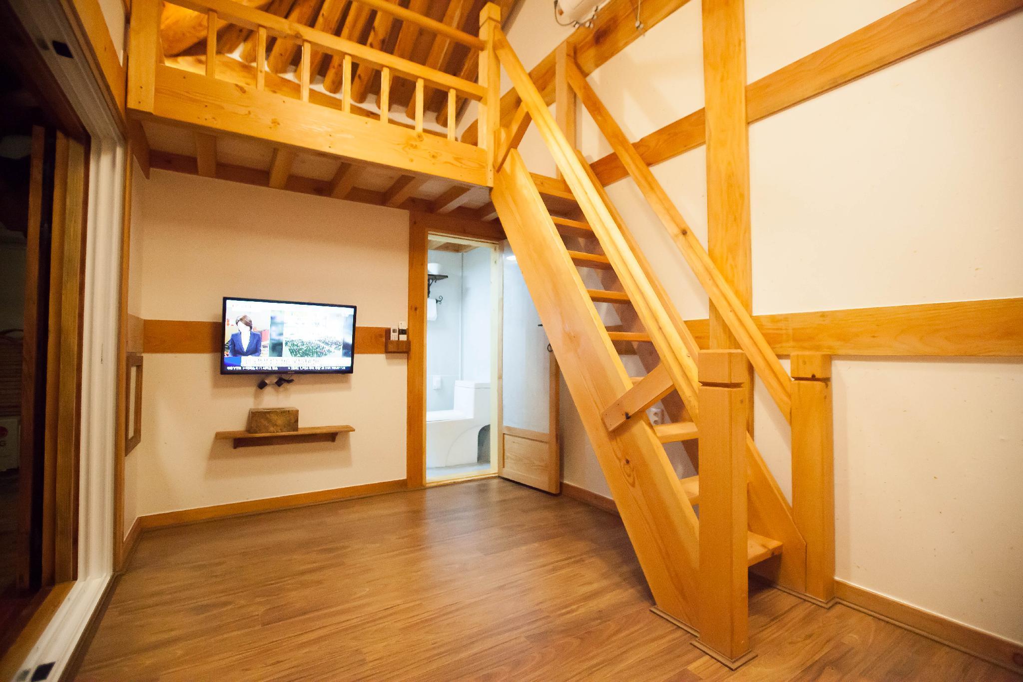 Samlockhon Hanok Guesthouse