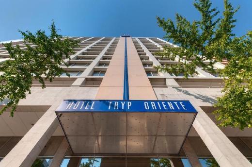 Tryp Oriente Hotel