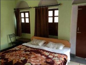 Shiva Kashi Guest House