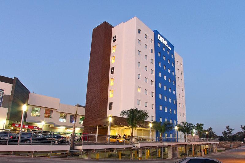 One Guadalajara Periférico Norte
