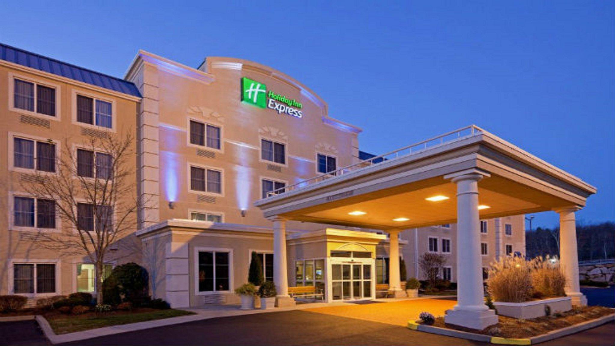 Holiday Inn Express Boston Milford Hotel