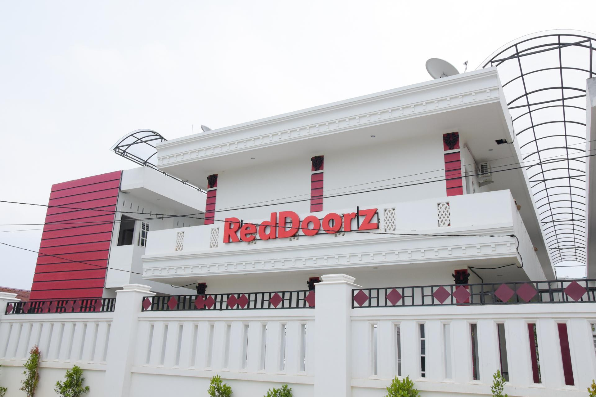 RedDoorz Near UIN Sumatera Utara