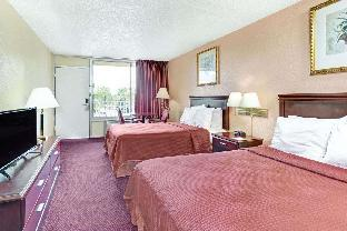 Фото отеля Howard Johnson Inn Tropical Palms Kissimmee