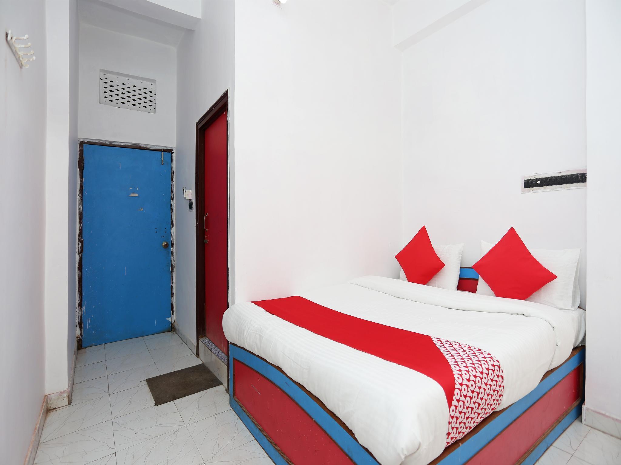 OYO 28006 Hotel President