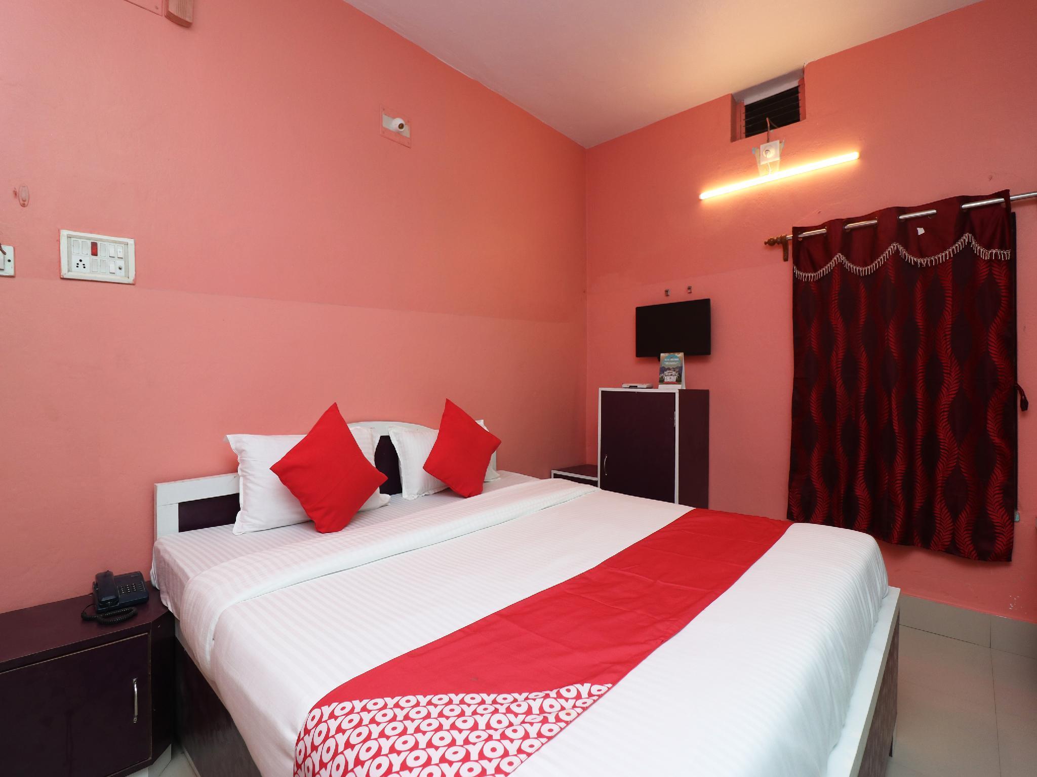 OYO 27996 Hotel Green Park