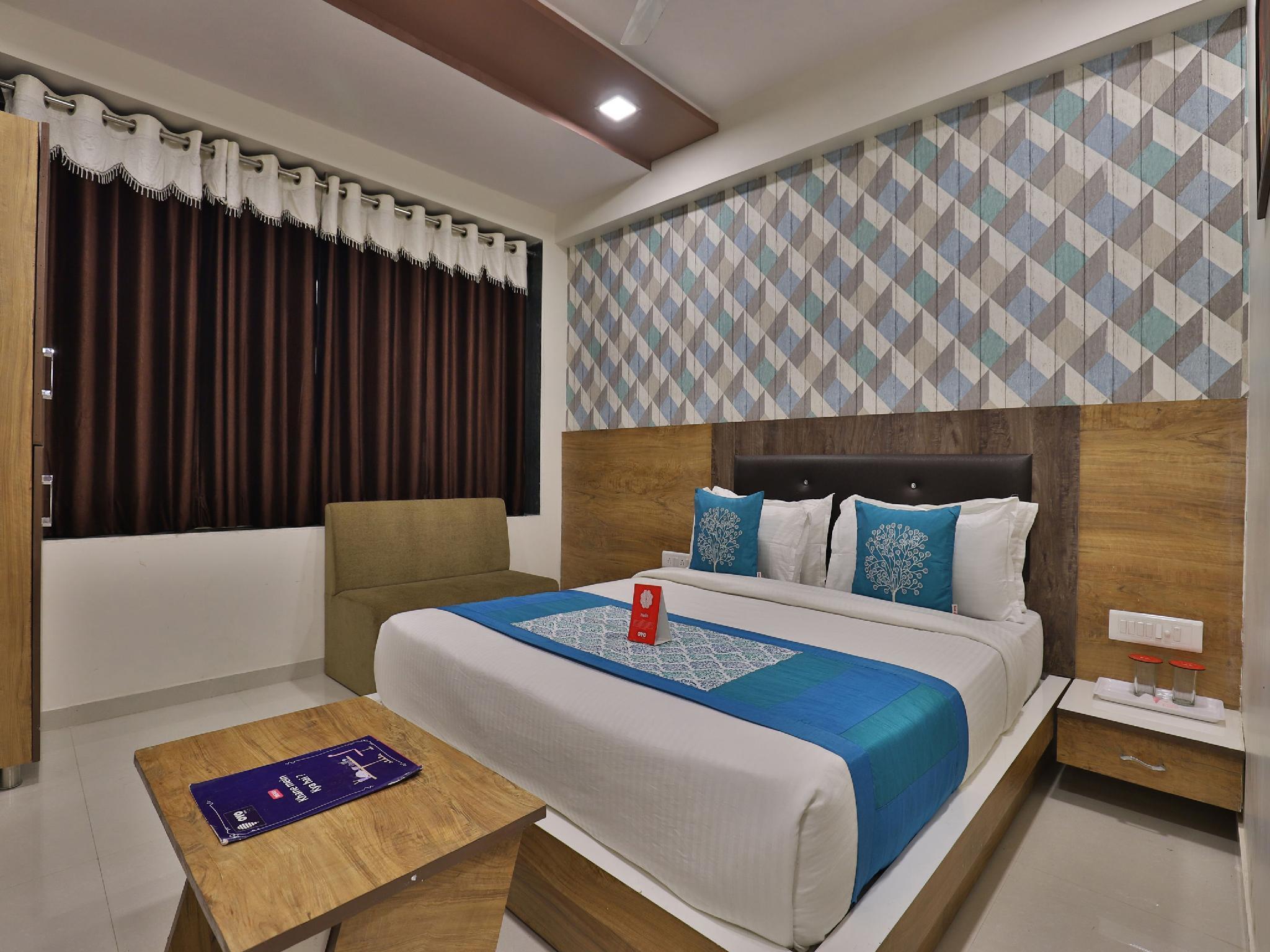 OYO 10265 Hotel Galaxy