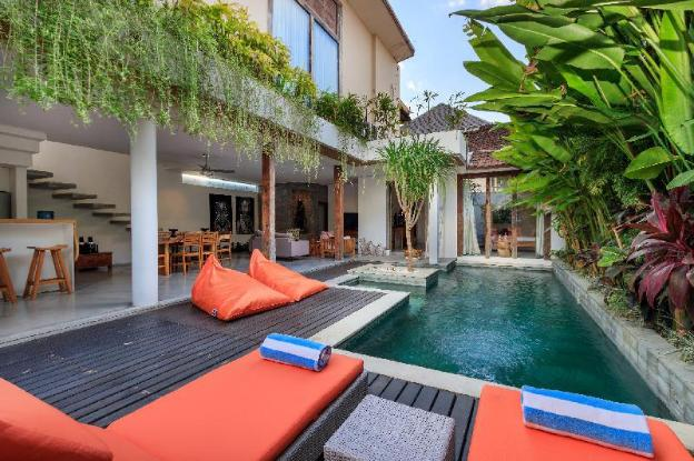 BIG DISC - EAT STREET 2BR LUX Villa Seminyak