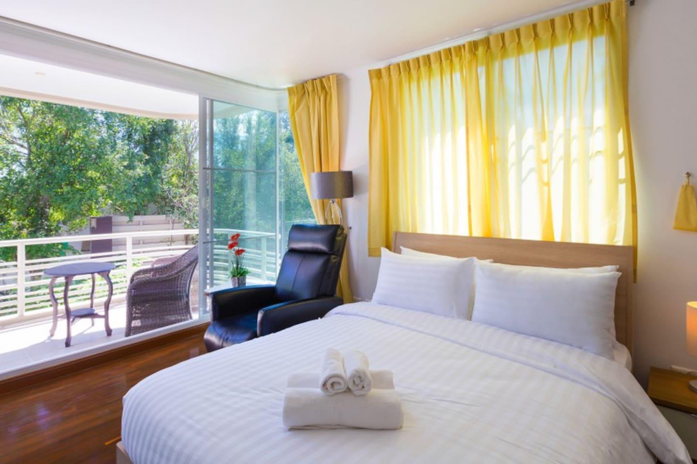 Baan Sanploen HuaHin Condo 3 Bedrooms, Sea View-A