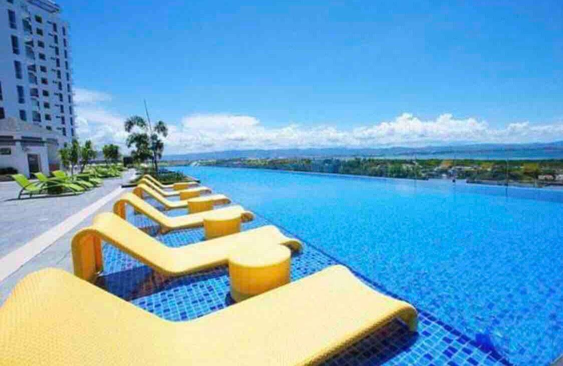 Beautiful Sea And Pool View Mactan Newtown Condos