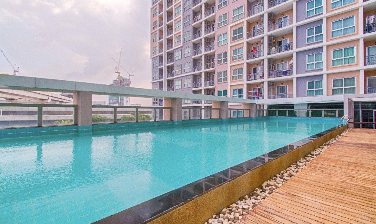 Modern Private Swimming Pool View Living 205