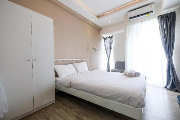 Modern Studio Akasa Pure Living Apt By Travelio Tangerang