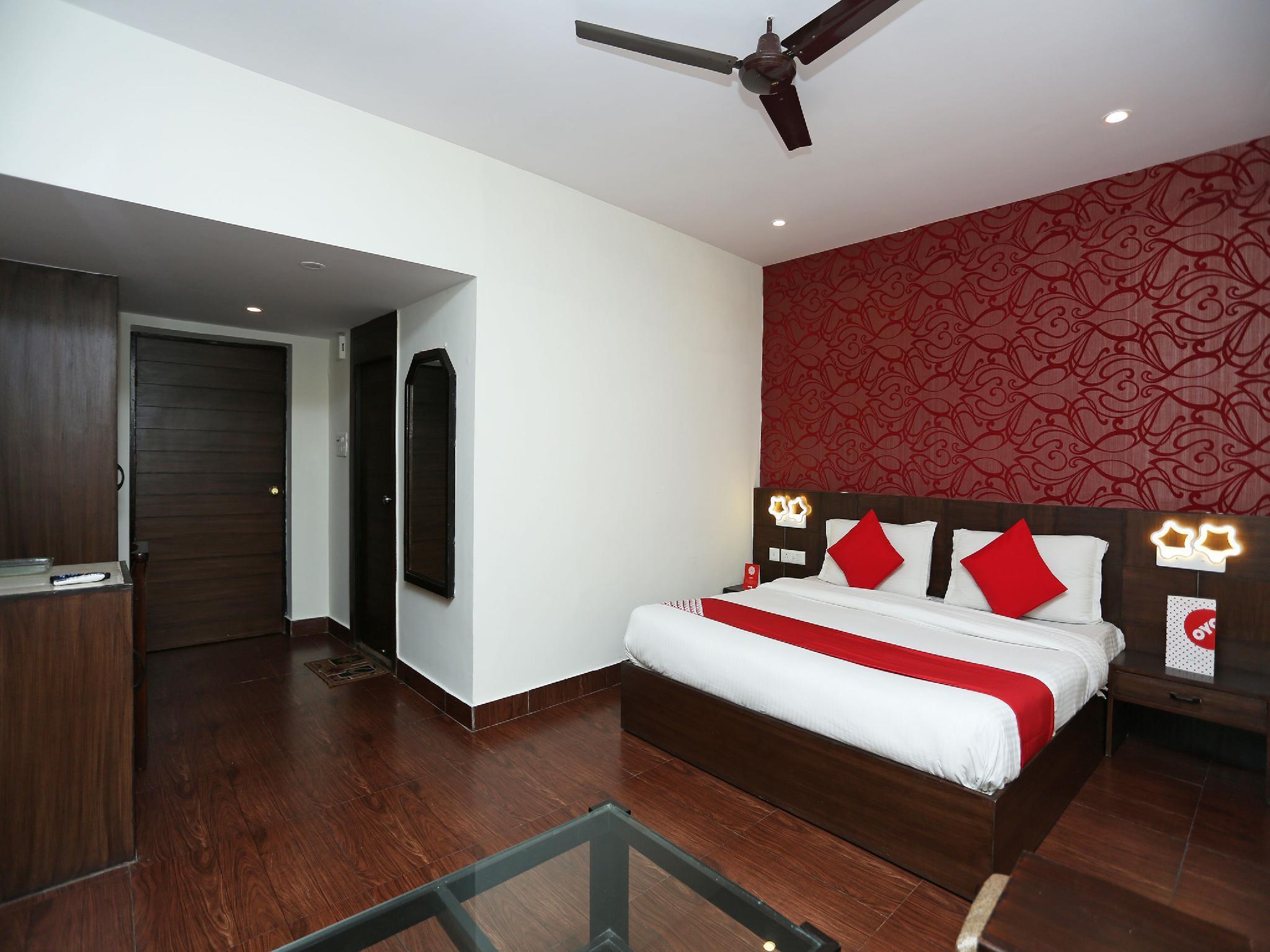 OYO 14674 Hotel Raj Mahal Inn