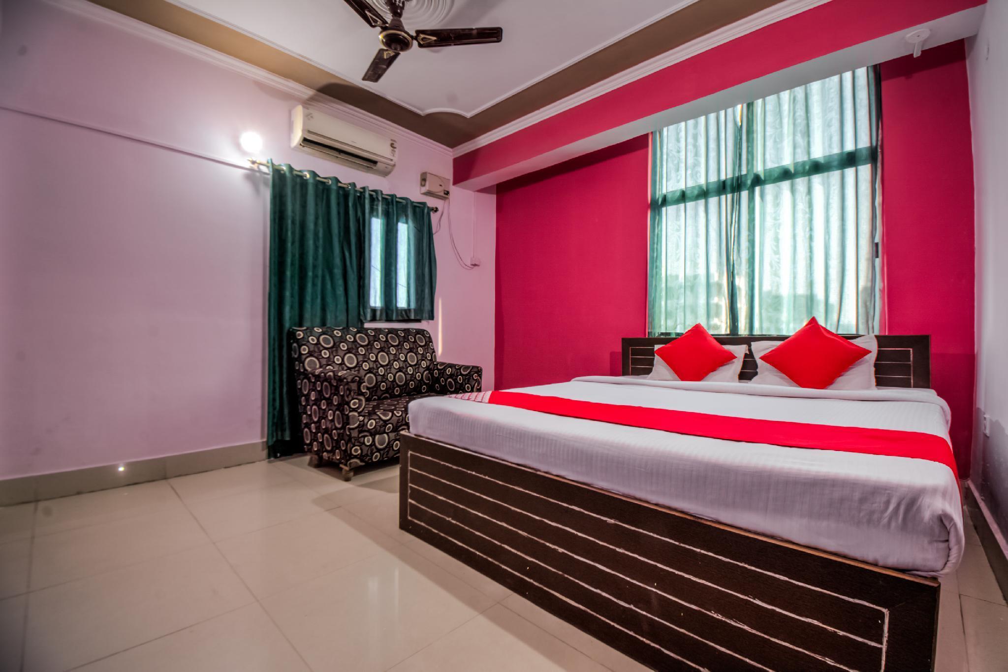 OYO 7226 Sri Sai Manas Hotel And Banquets