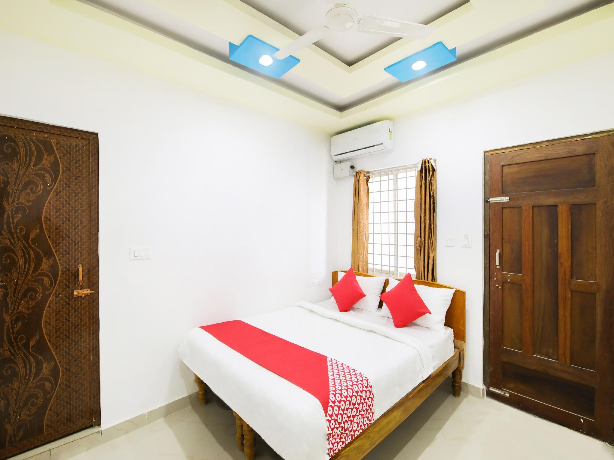 OYO 24279 C Seasons Inn