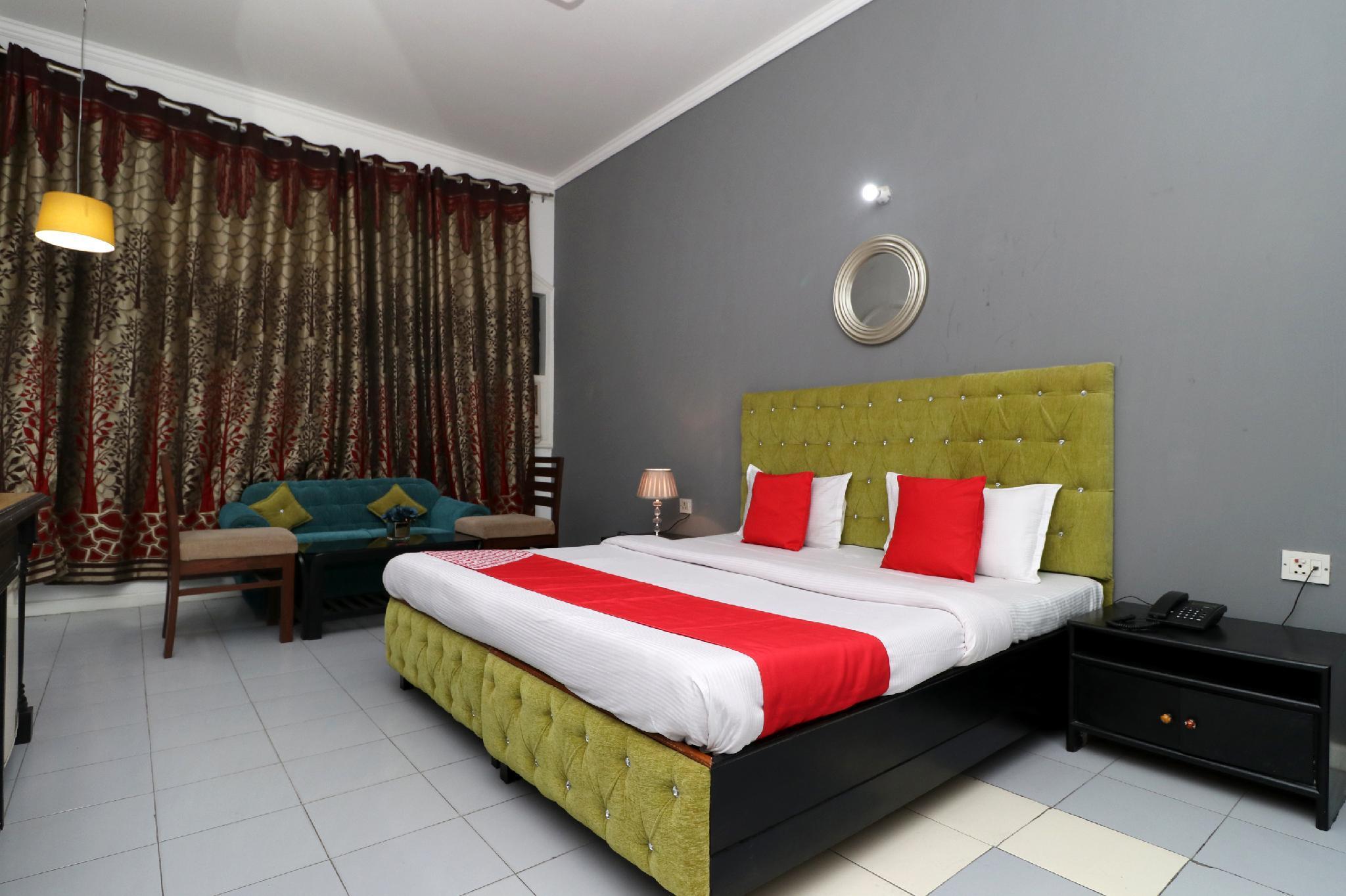 OYO 30283 Rix's Hotel And Resort