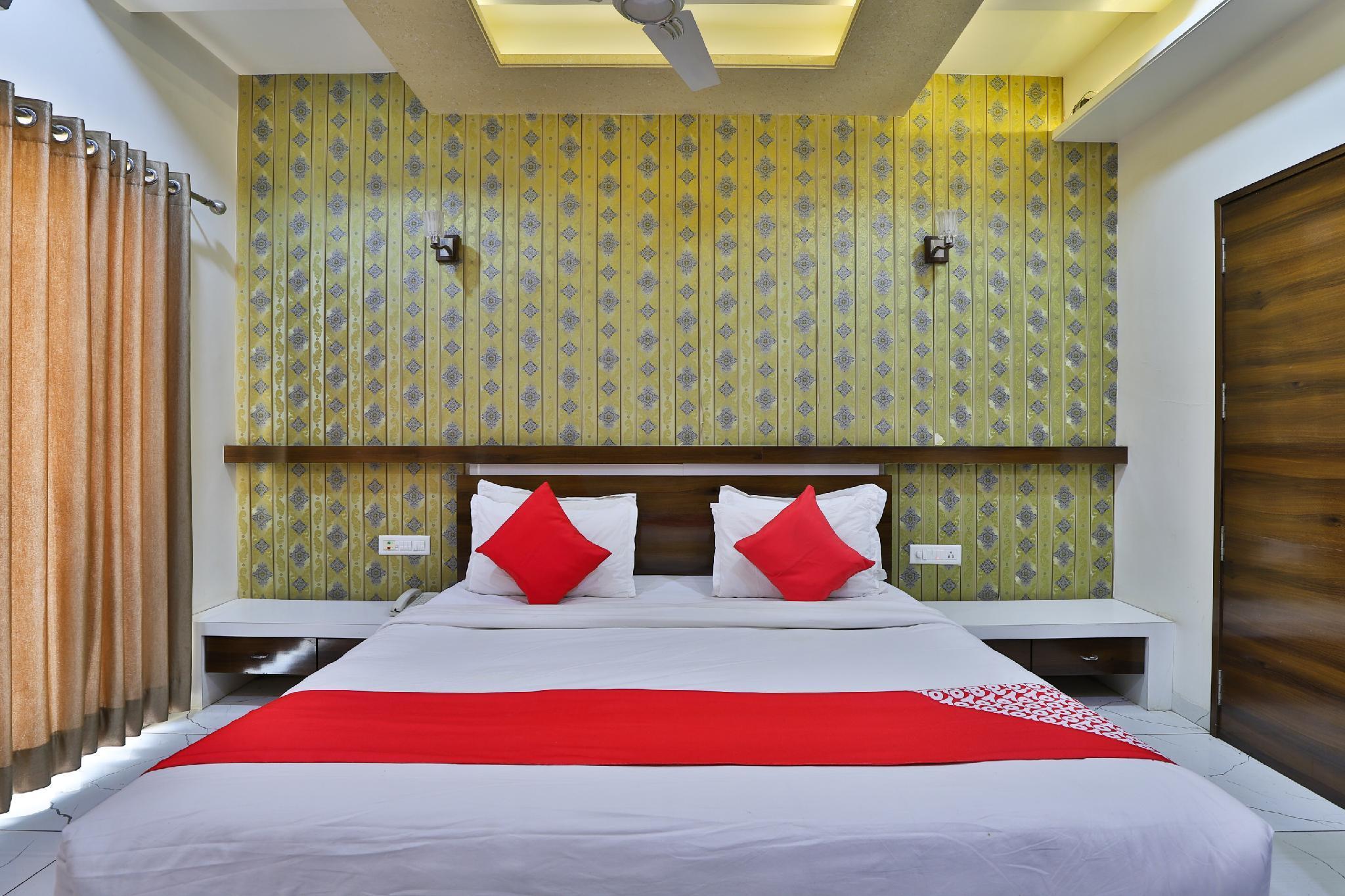 OYO 36424 Hotel Platinum Inn