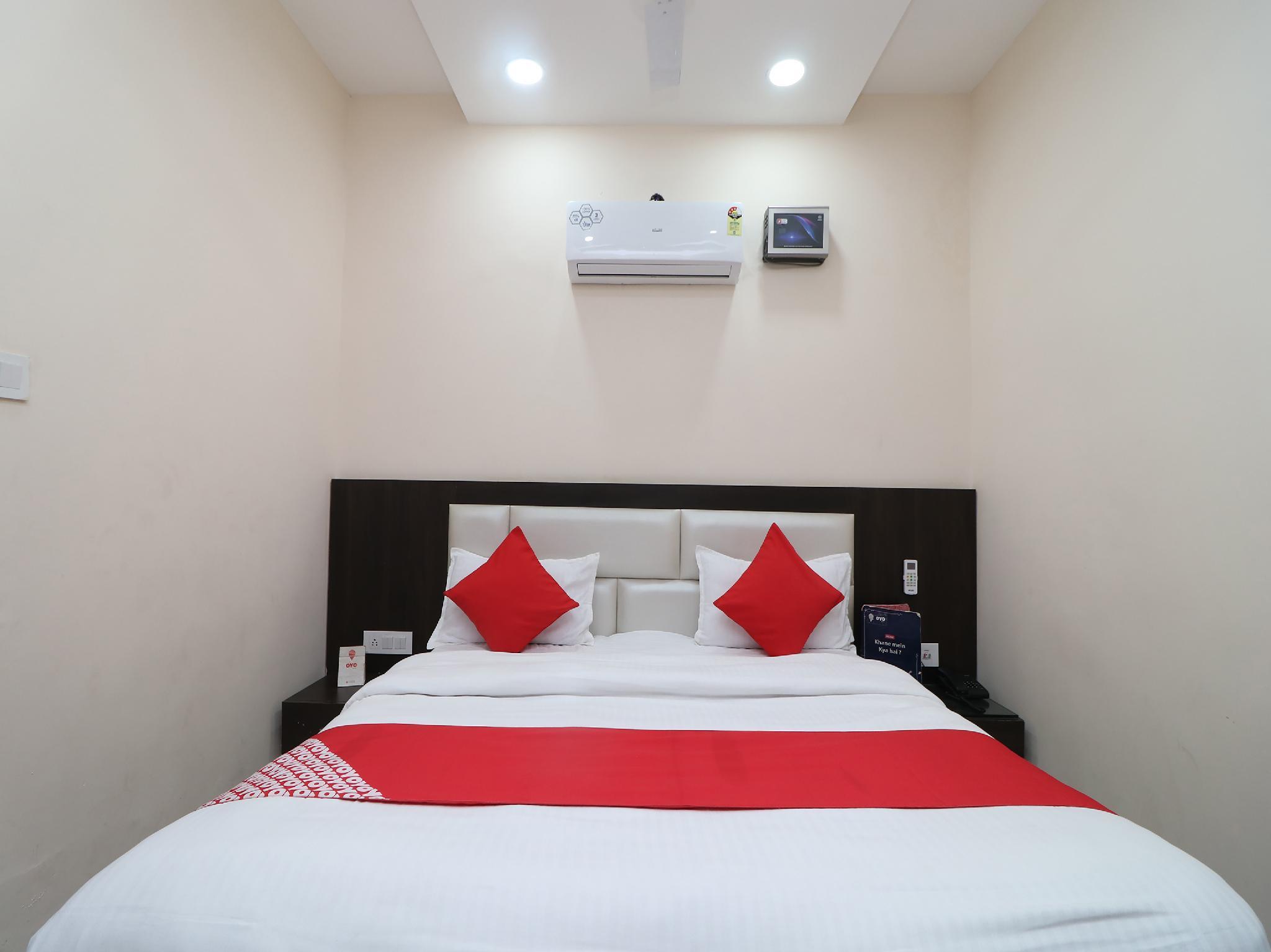 OYO 30439 Hotel Yamuna Residency