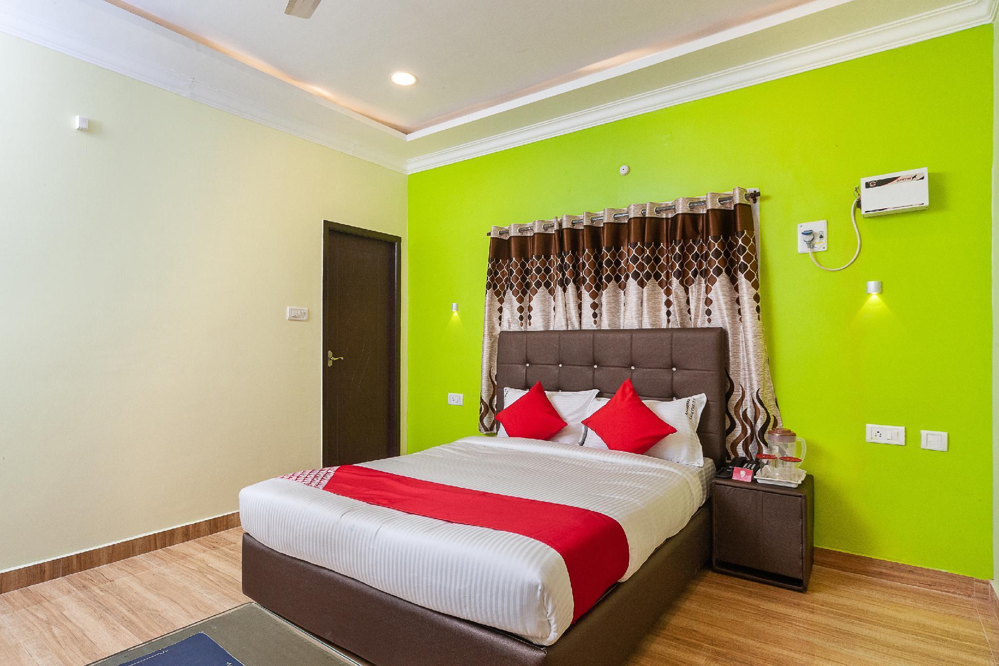 OYO 29884 Al Shariff Residency