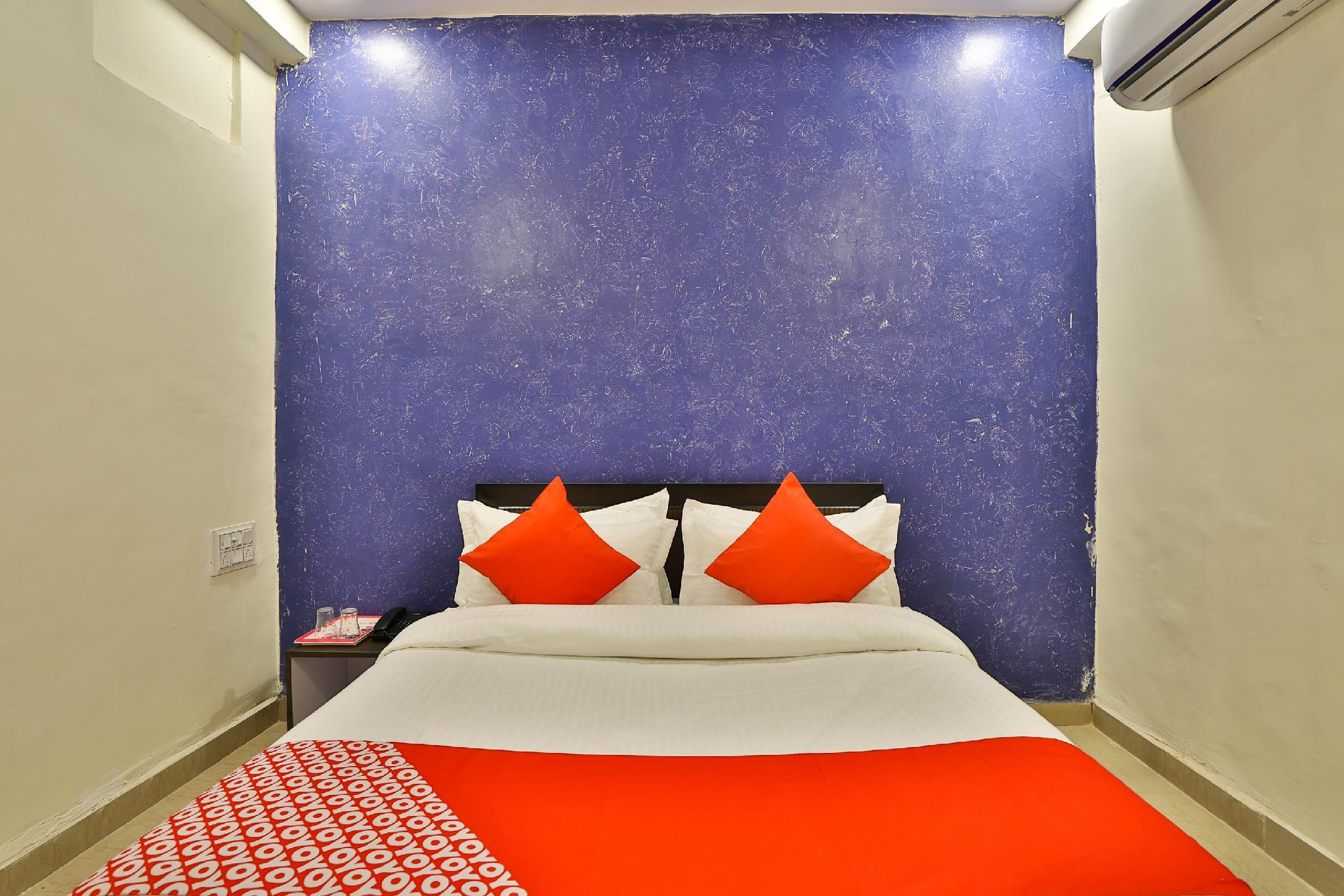 OYO 30124 Silver Guest House
