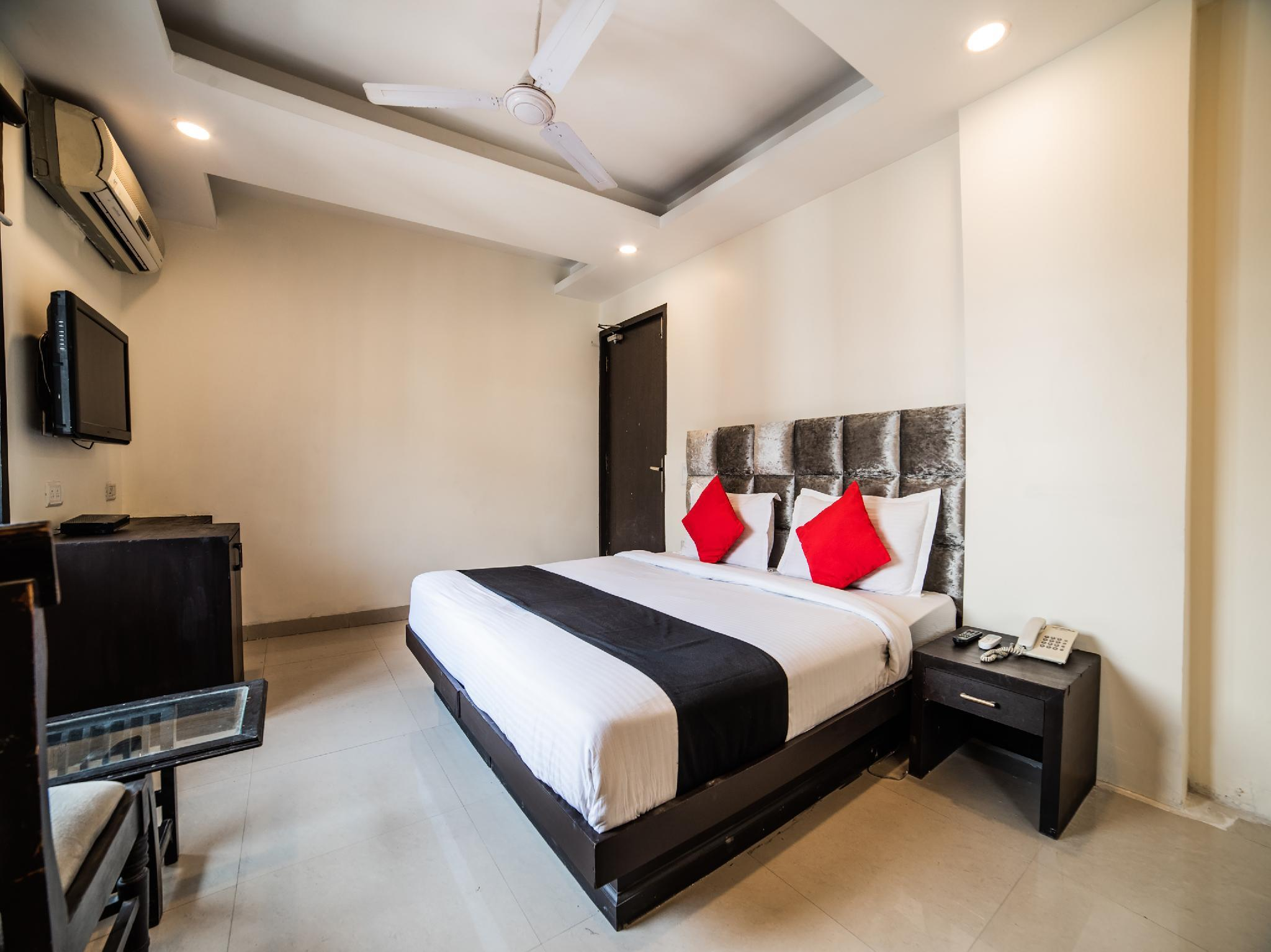 Capital O 29088 Hotel Jeyan Inn